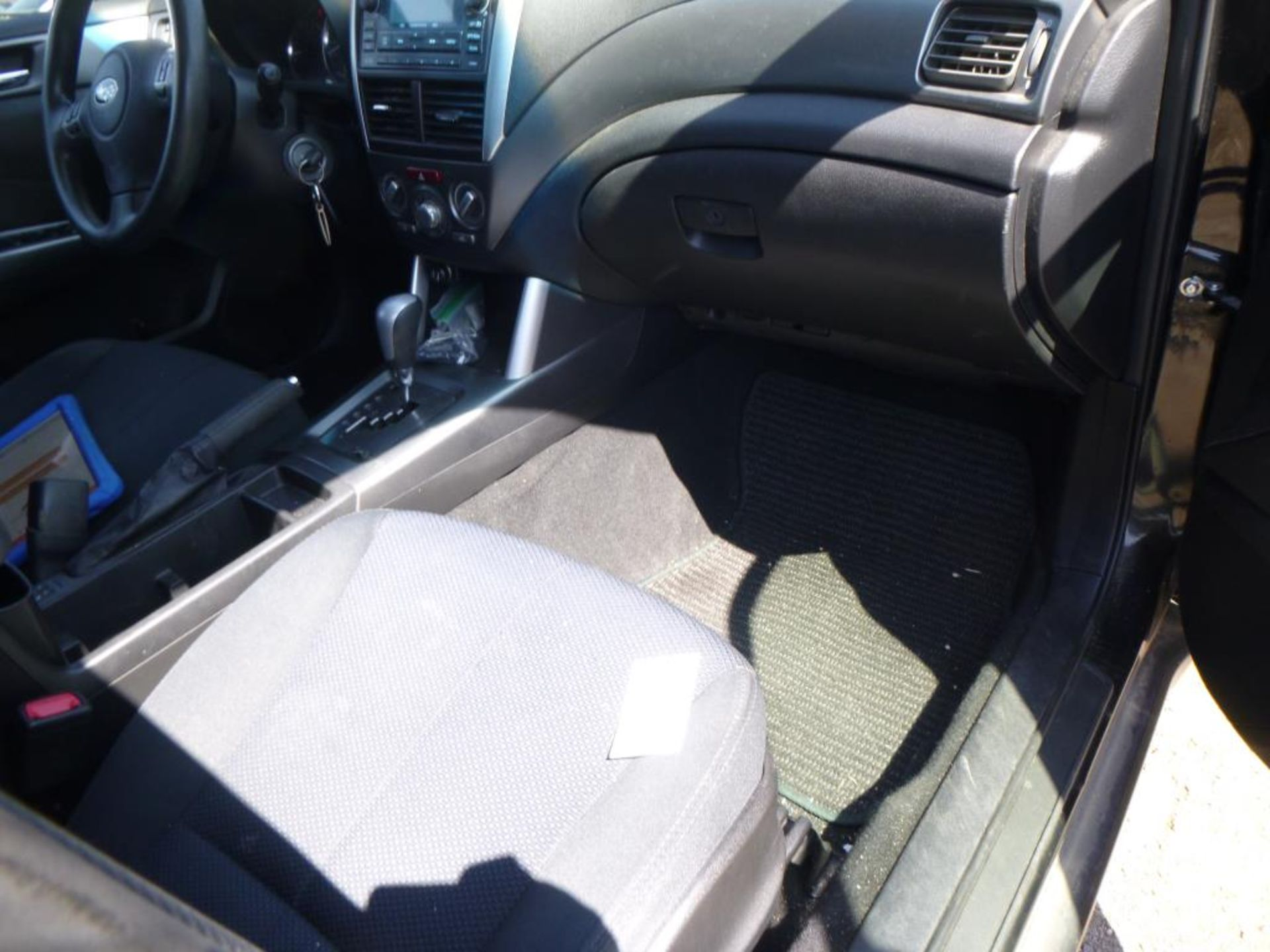 2011 Subaru Forester - Image 6 of 11