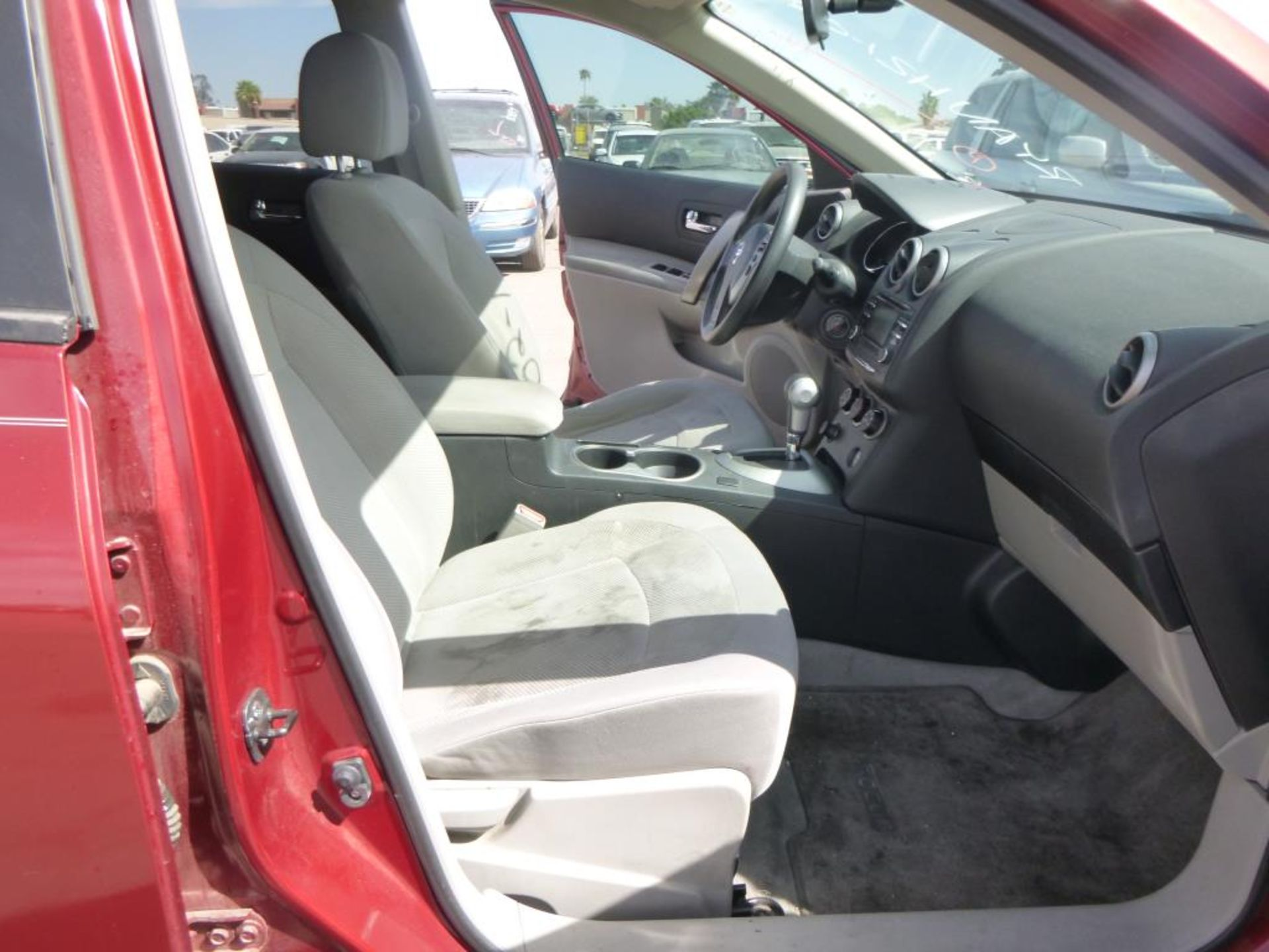 2012 Nissan Rogue - Image 9 of 14