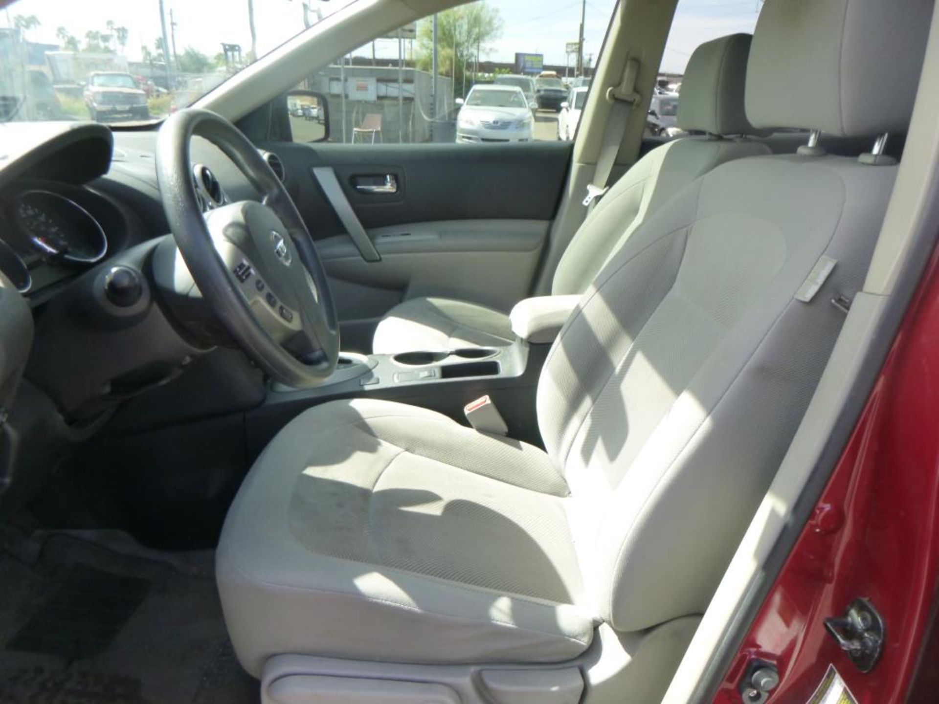 2012 Nissan Rogue - Image 10 of 14