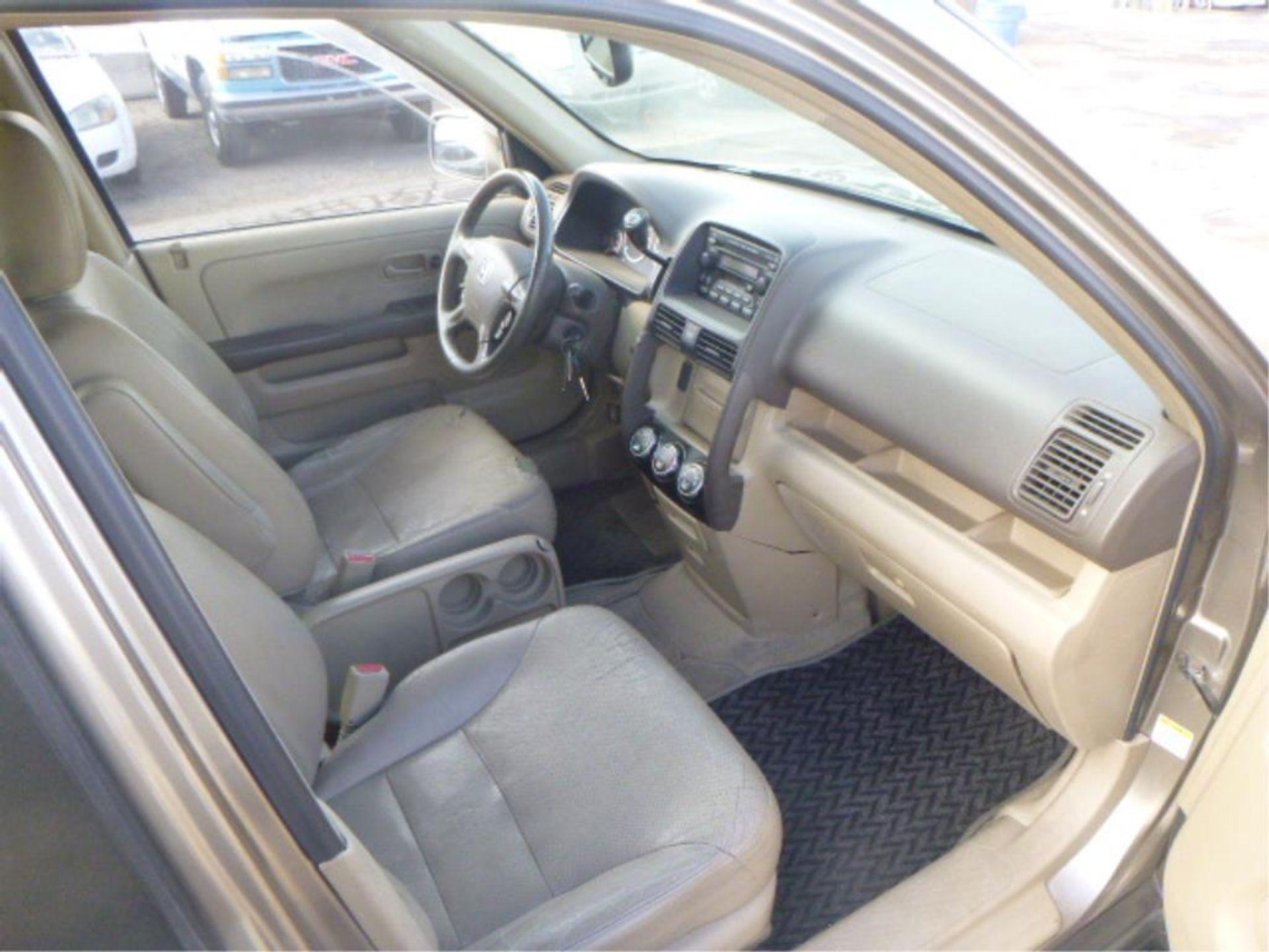 2005 Honda CR-V - Image 8 of 14