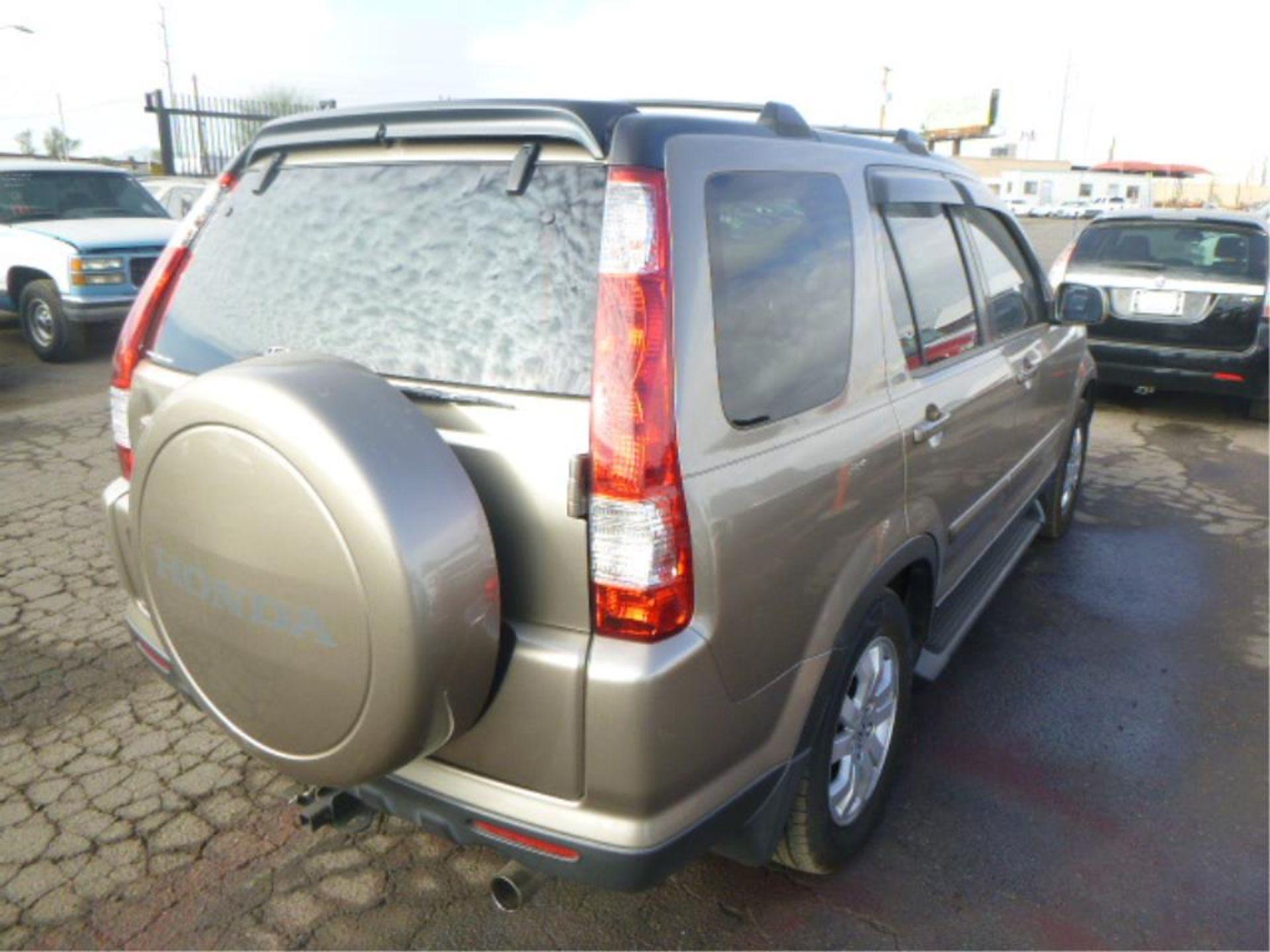2005 Honda CR-V - Image 4 of 14