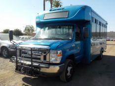 (Lot # 3943) - 2013 Ford E-450 SD Shuttle Bus