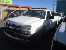 (Lot # 3904) - 2005 Chevrolet Silverado 2500HD