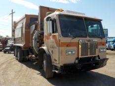 (Lot # 3910) - 2011 Peterbilt 320 Garbage Truck