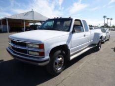 (Lot # 3348) 1992 Chevrolet C3500