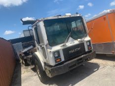 1988 MACK MR688S ROLL OFF TRUCK - VIN #1M2K166CSJM001404 - WHITE - PARTS ONLY / NO ENGINE