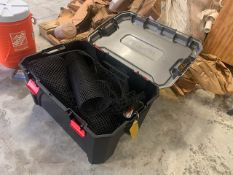 TOTE WITH MESH SCREENING
