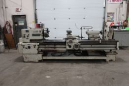 """TOS Flat Bed Lathe Swing over Bed : 17.75"""" (554mm) Swing over Carriage : 10.5"""" (370mm) Swing in"""