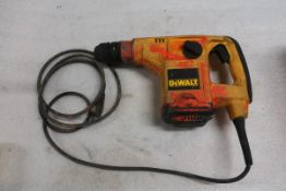 Dewalt Electric Hammer Drill in case D25400 SDS Rotary Hammer drill 1 1/8""