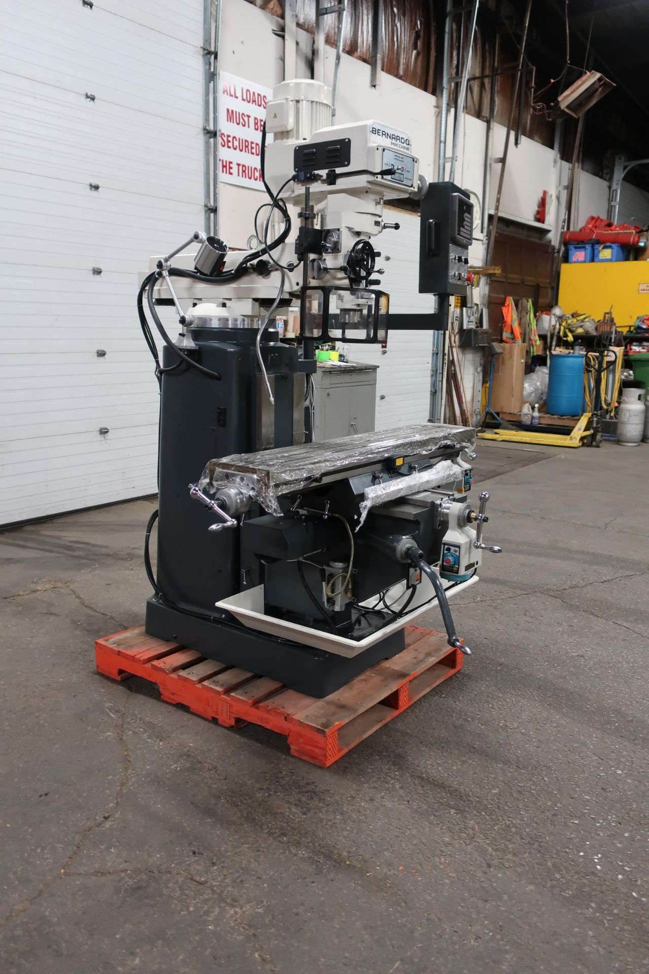 Bernardo MINT / UNUSED Milling Machine with Full Power Feed Table on ALL AXIS (X, Y and Z) with - Image 3 of 3