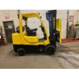 FREE CUSTOMS - 2014 Hyster 8000lbs capacity LPG (propane) Forklift with 3-stage mast & sideshift (no