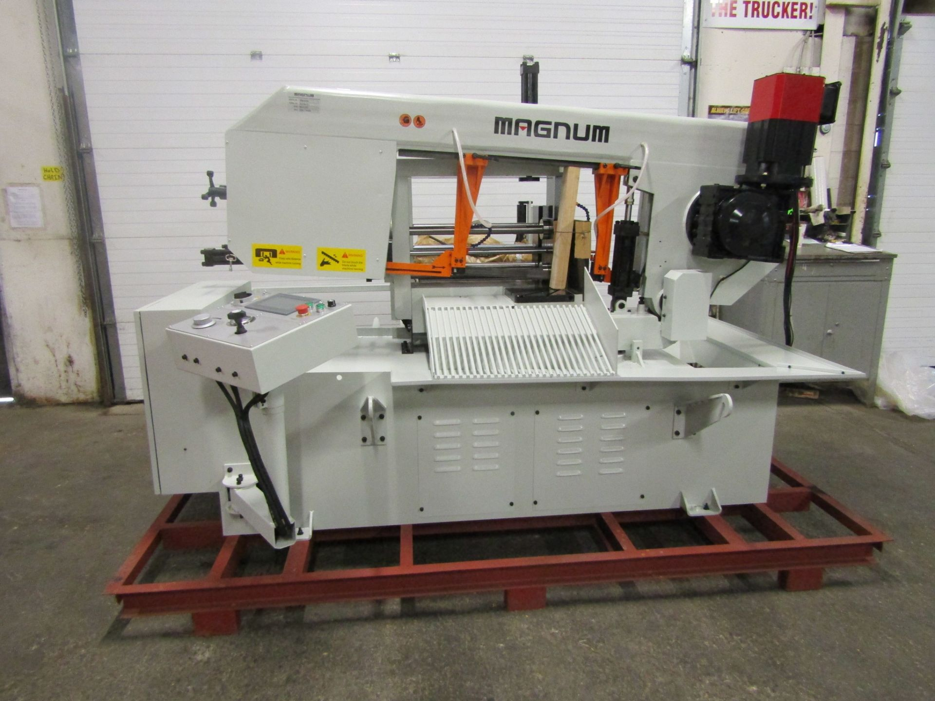 Magnum BSM-2618A Fully Automatic CNC Horizontal Band Saw - 26 X 18 inch HUGE CUTTING CAPACITY -