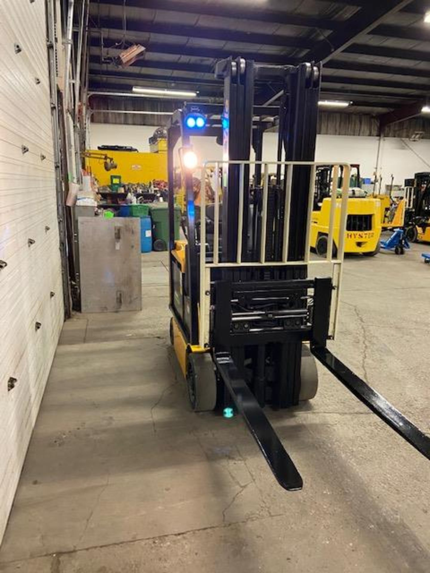 FREE CUSTOMS - 2014 Yale 3500lbs Capacity Forklift Electric with sideshift & fork positioner & 3- - Image 2 of 3