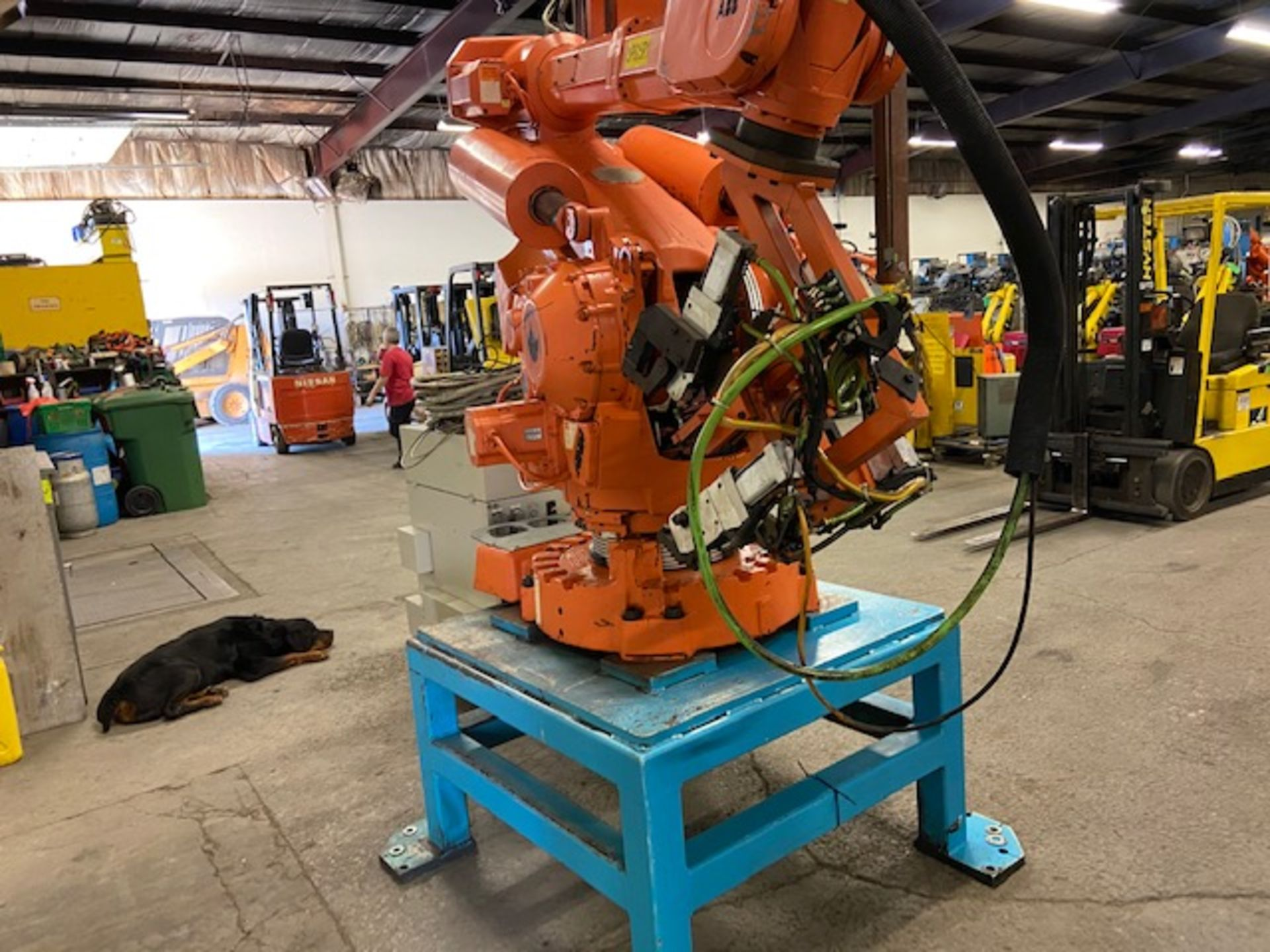 2008 ABB IRB 6400R Robotic Material Handler Package w/ Controller and end of arm tooling - Image 6 of 7