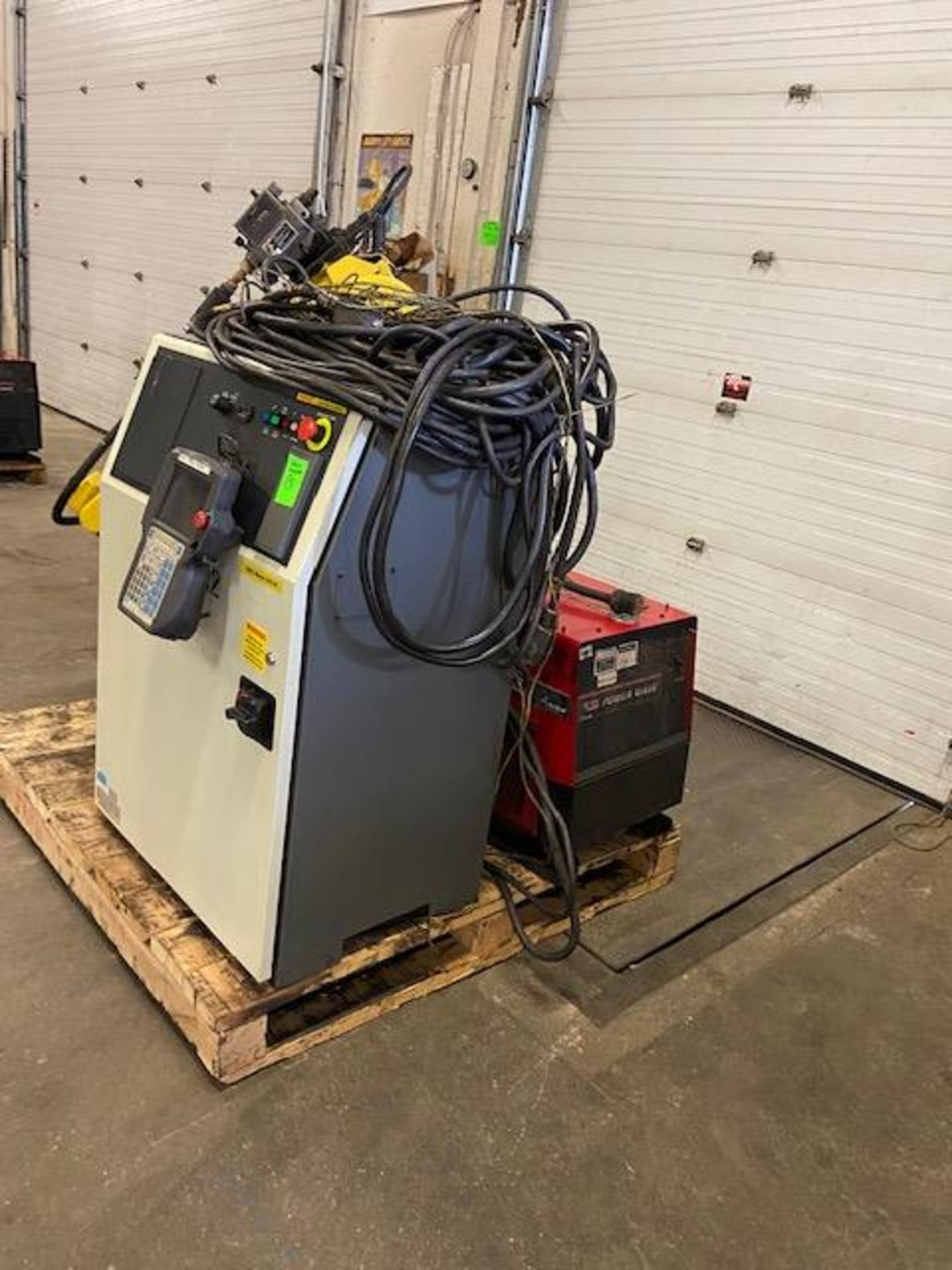 2008 Fanuc Arcmate 120iB / 10L Welding Robot with System FULLY TESTED with R30iA Controller, teach - Image 4 of 4