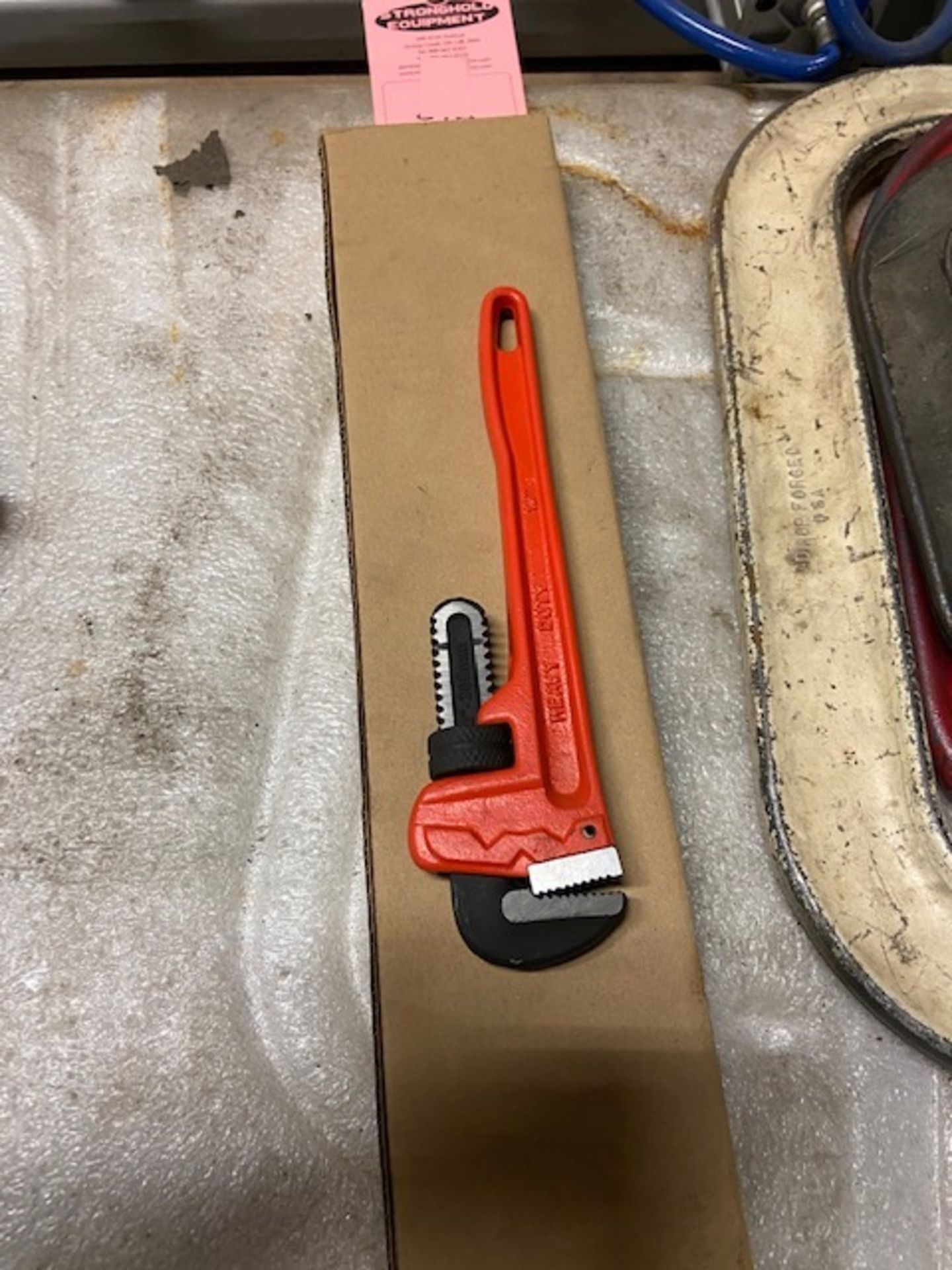 """Lot of 2 (2 units) Pipe Wrenches 10"""" and 20"""""""
