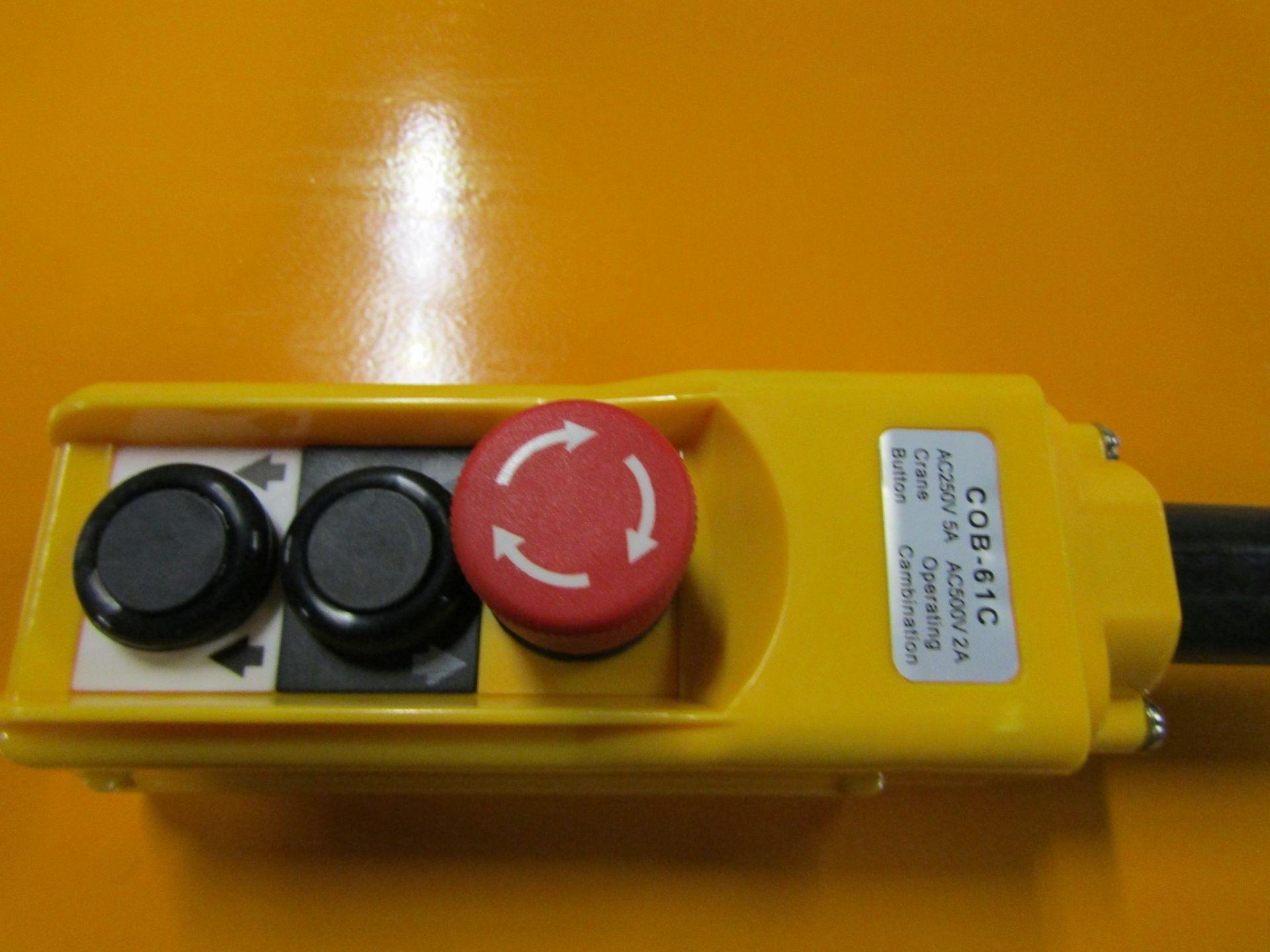 "HW Hydraulic Lift Table 32"" x 52"" x 40"" lift - 2000lbs capacity - MINT - 115V - Image 2 of 2"