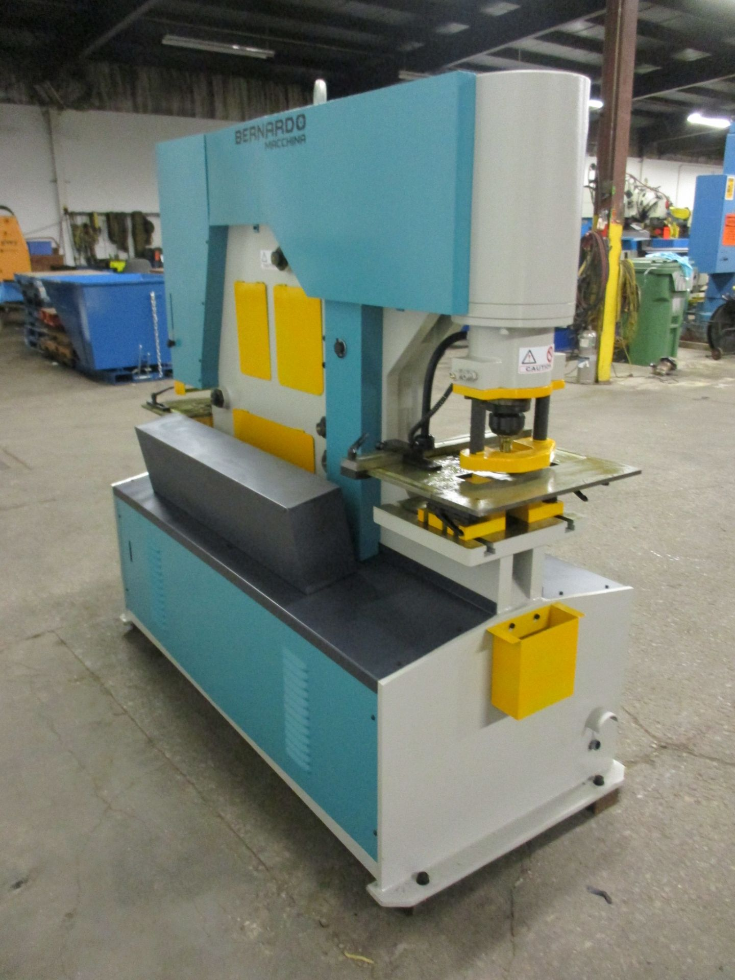Bernardo Macchina 95 Ton Capacity Hydraulic Ironworker - complete with dies and punches - Dual - Image 4 of 4