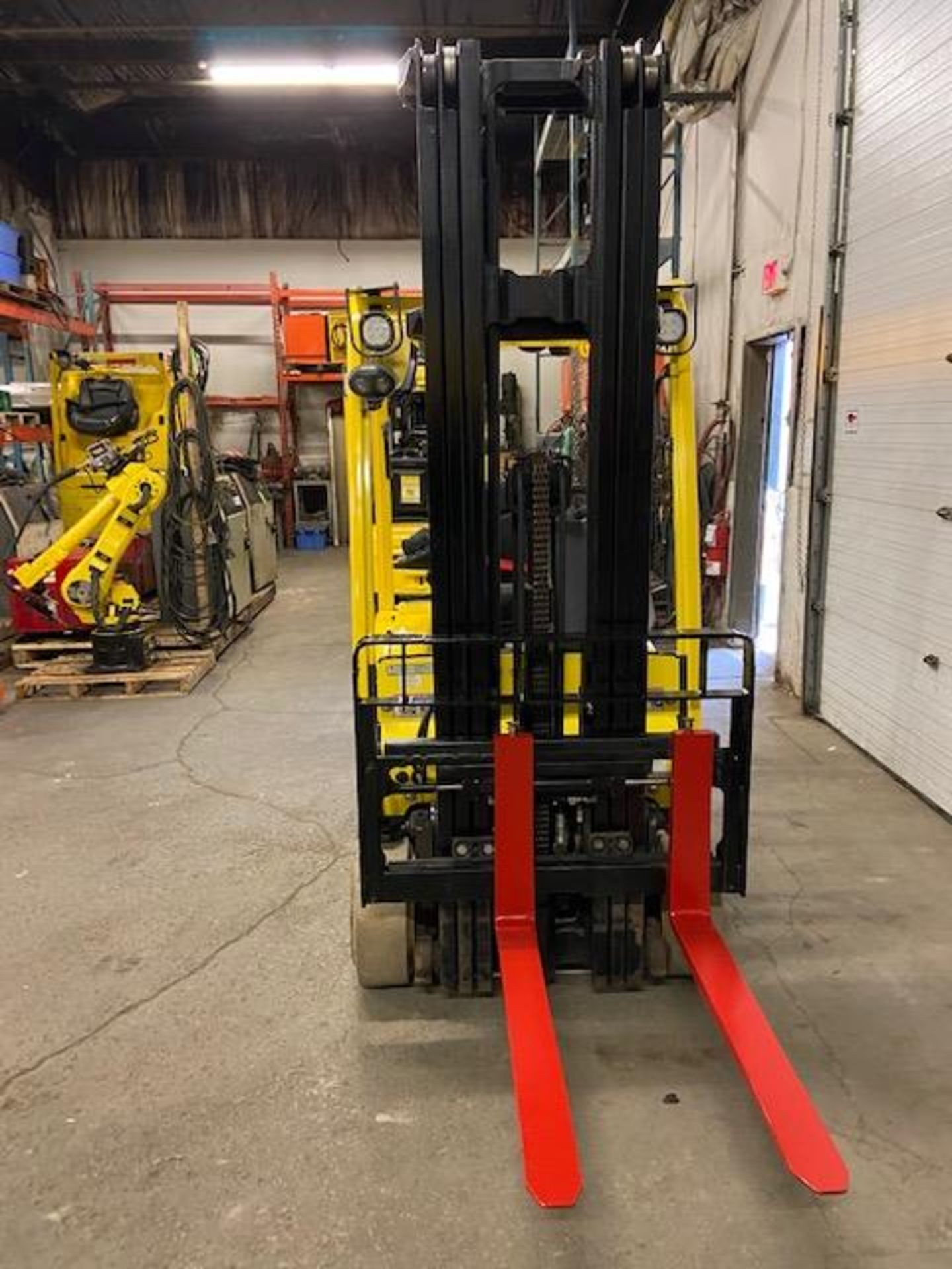FREE CUSTOMS - 2013 Hyster 3000lbs Capacity 3-wheel Forklift Electric with 3-stage mast with - Image 3 of 3