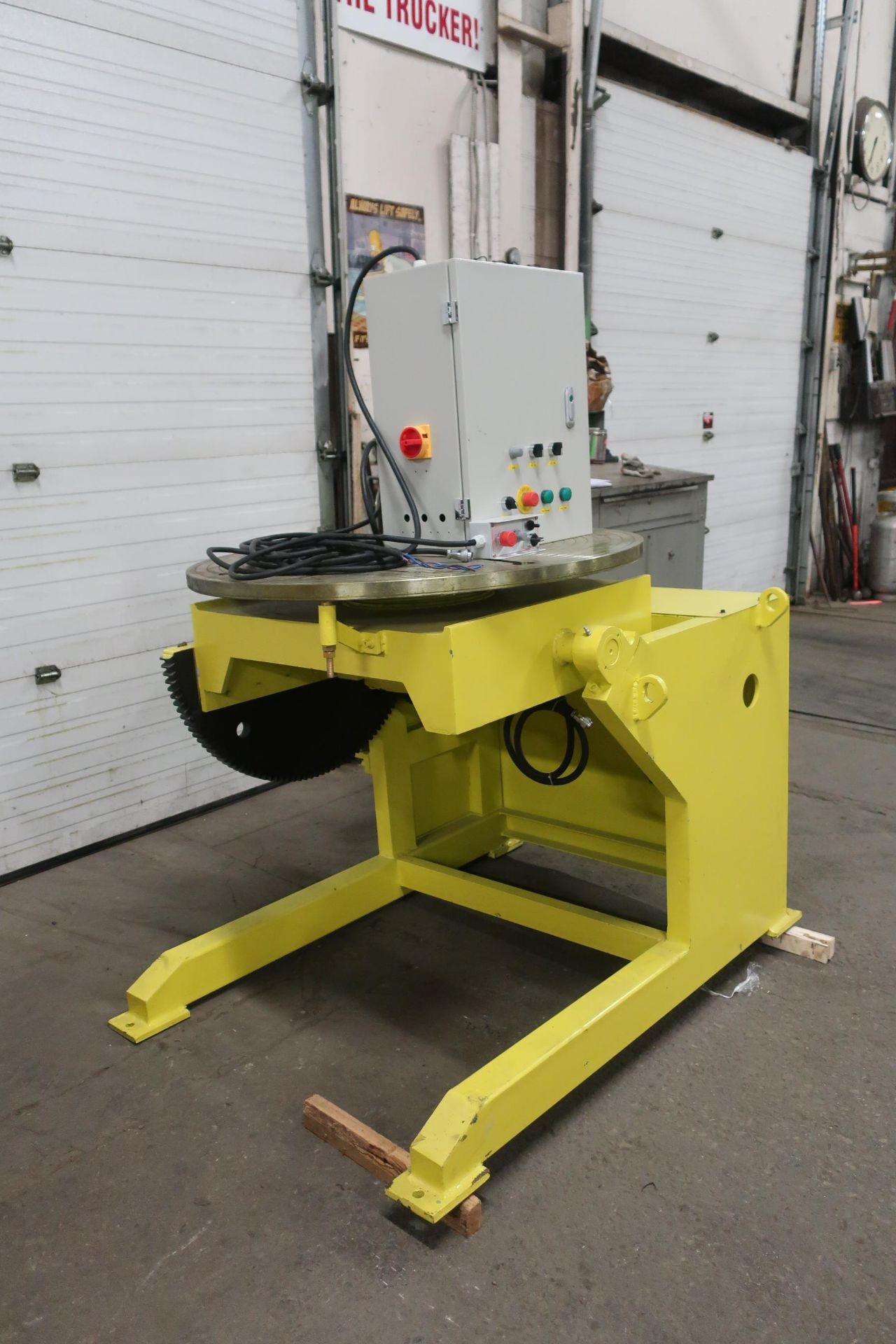 Verner model VD-2500 WELDING POSITIONER 2500lbs capacity - tilt and rotate with variable speed drive