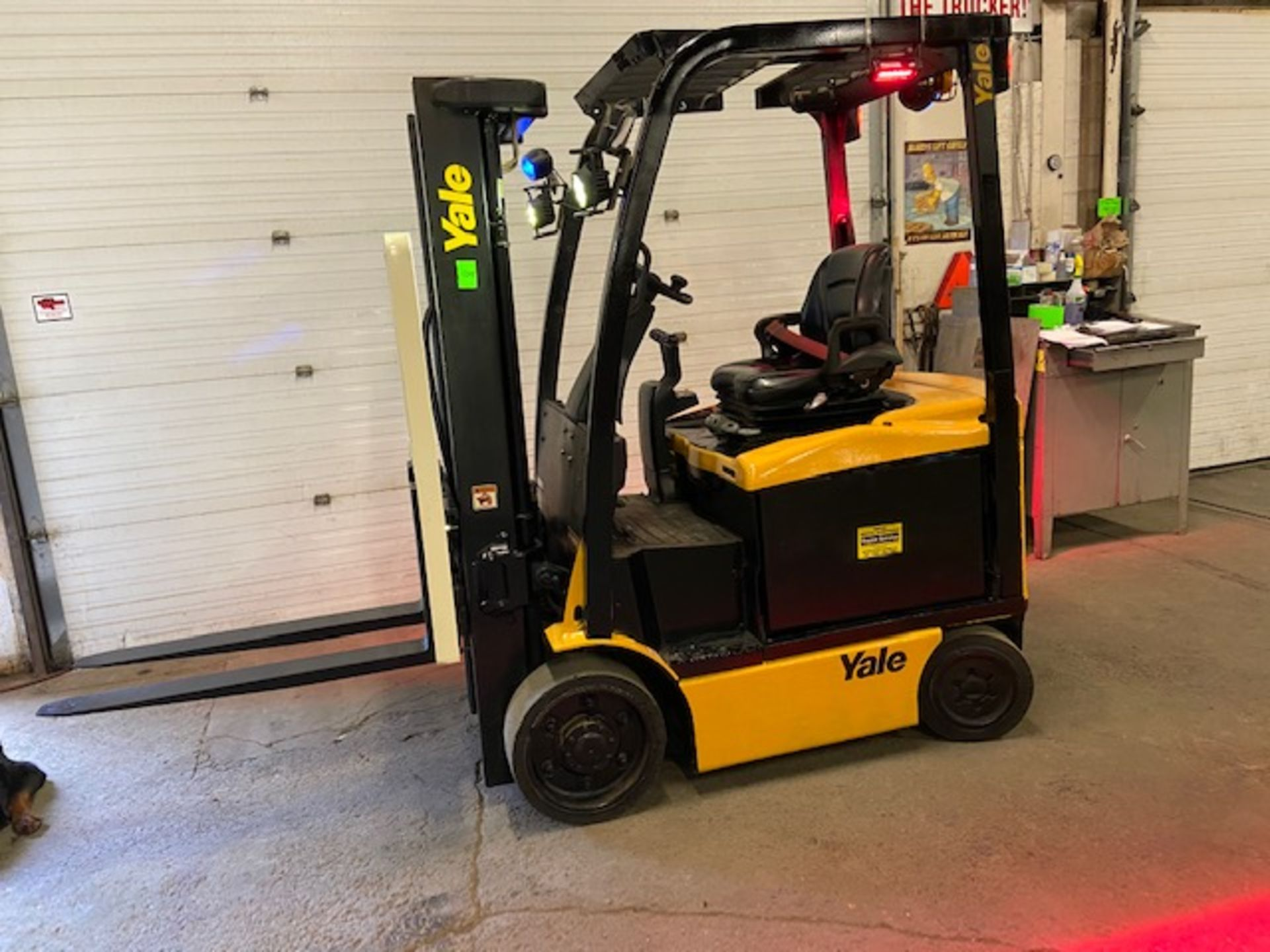 FREE CUSTOMS - 2015 Yale 5000lbs Capacity Forklift Electric with 3-STAGE MAST with sideshift MINT