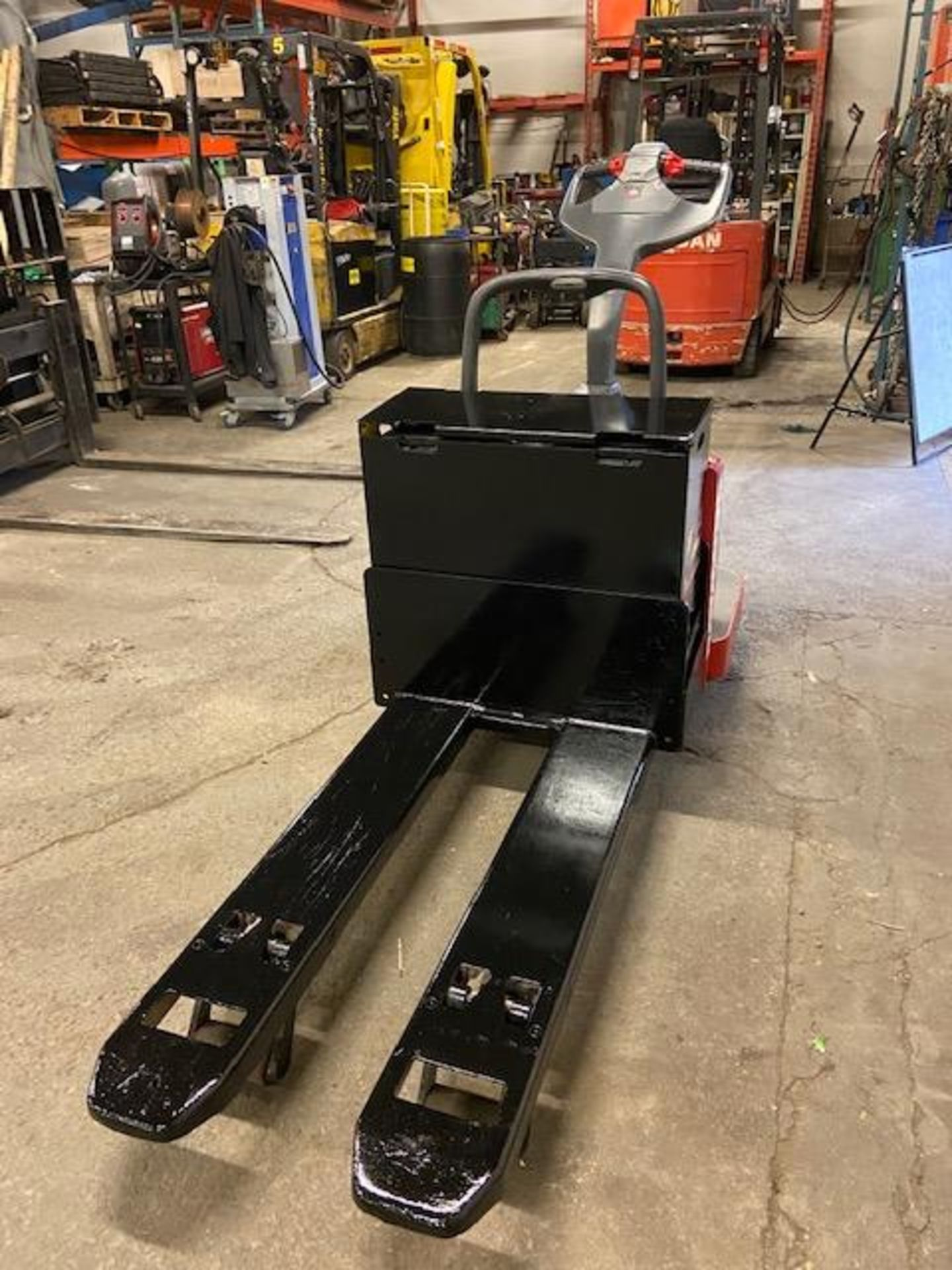 2008 Raymond Electric Ride on Powered Pallet Cart Lift 6000lbs capacity 4' Long with LOW HOURS - Image 2 of 2