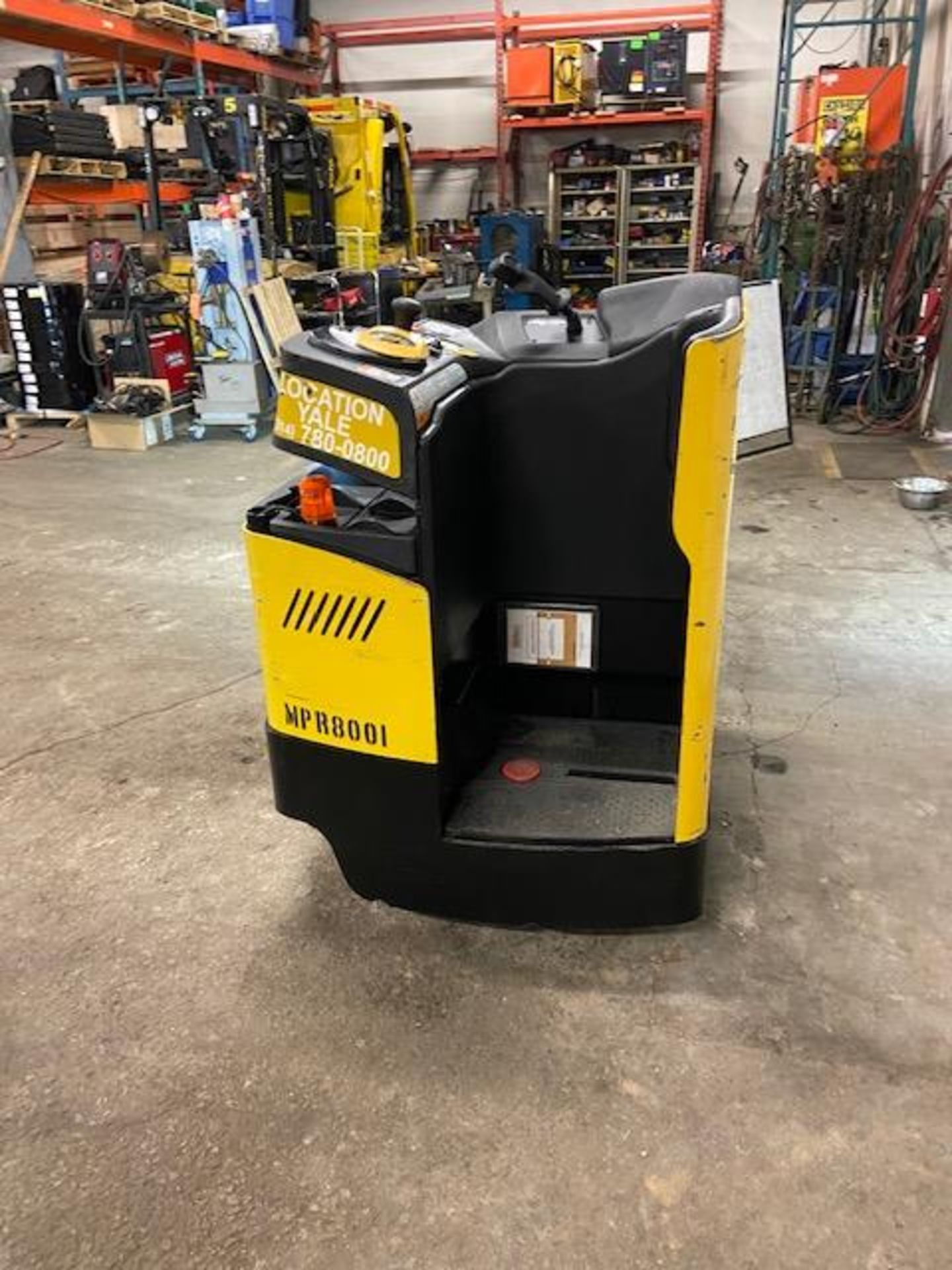MINT 2018 Yale Electric Ride on Powered Pallet Cart Lift 8000lbs capacity with VERY LOW HOURS - - Image 4 of 4