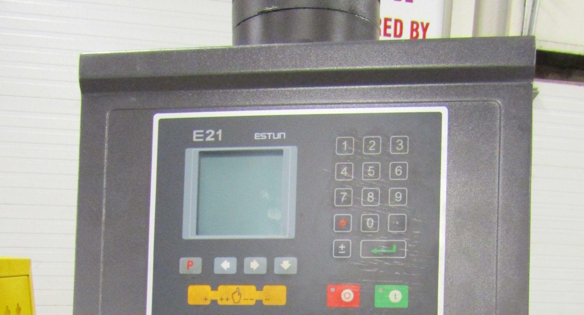 "Bernardo Hydraulic Press Brake 100 ton capacity 80"" bed - 480/575V 3 phase with CNC back gauge and - Image 2 of 2"
