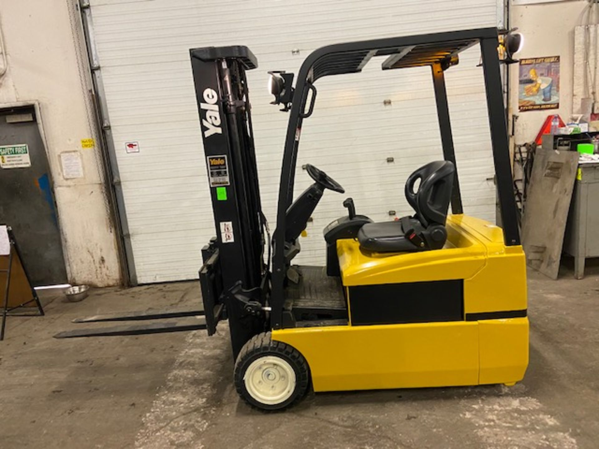 FREE CUSTOMS - Yale 4000lbs Capacity 3-wheel Forklift Electric with 3-stage mast with sideshift with
