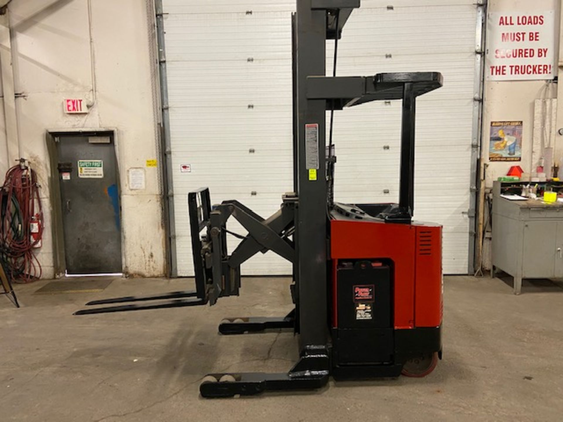 FREE CUSTOMS - Raymond Reach Truck Pallet Lifter 4000lbs capacity unit 36V electric with sideshift