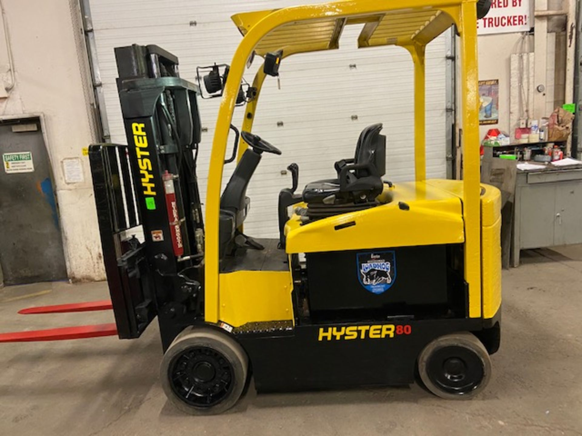 FREE CUSTOMS - 2014 Hyster 8000lbs Capacity Forklift Electric with sideshift and 3 stage mast