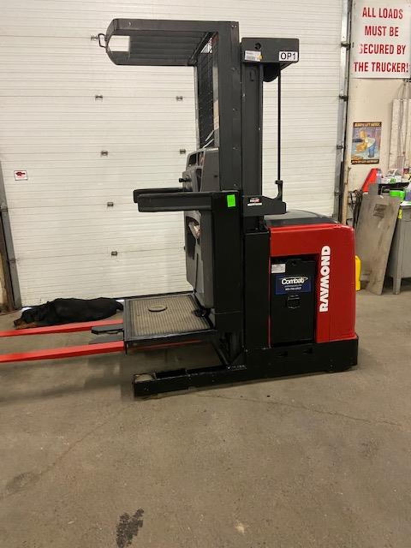 FREE CUSTOMS - 2008 Raymond Order Picker Electric Powered Pallet Cart Lifter with low hours - Image 2 of 3