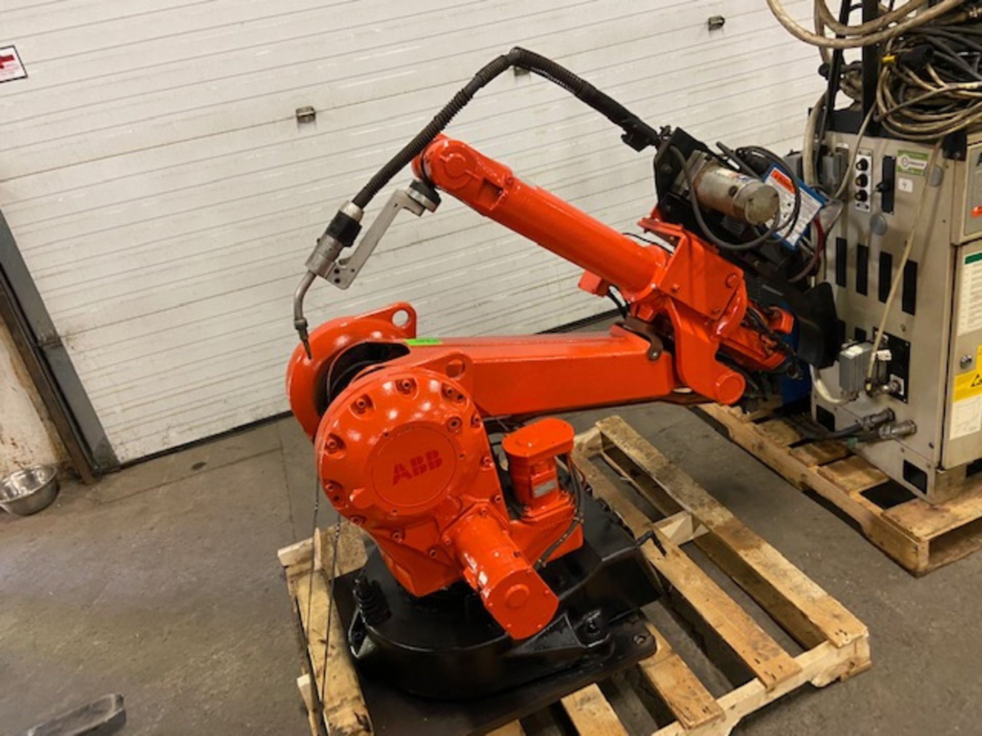2004 ABB Robot IRB 2400 Welding Robot M2000 Control with Miller Deltaweld 452 450 Amp Mig Welder - Image 3 of 4