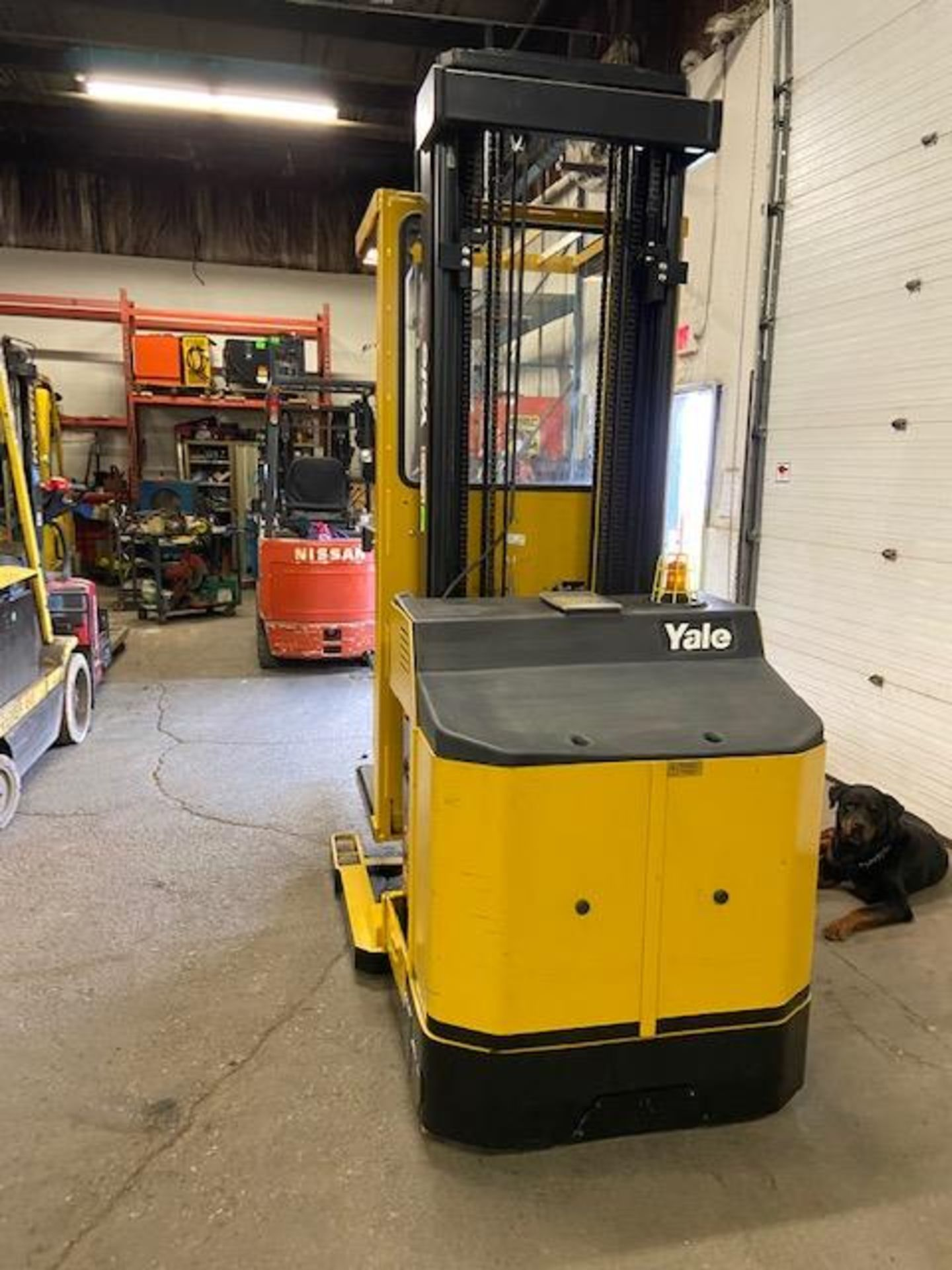 FREE CUSTOMS - Yale Order Picker Electric Powered Pallet Cart Lifter with low hours - Image 3 of 3