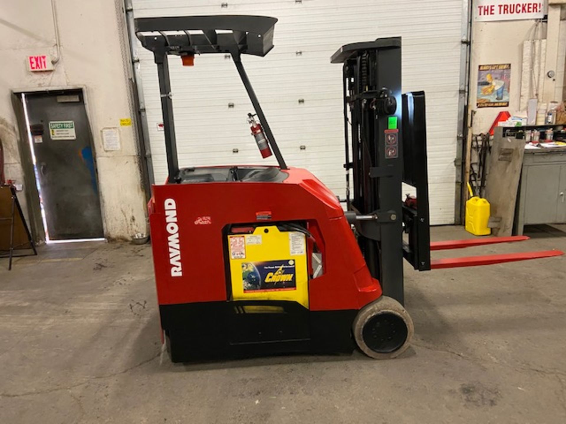 FREE CUSTOMS - 2014 Raymond 4000lbs Capacity Stand On Forklift Electric with 3-stage mast