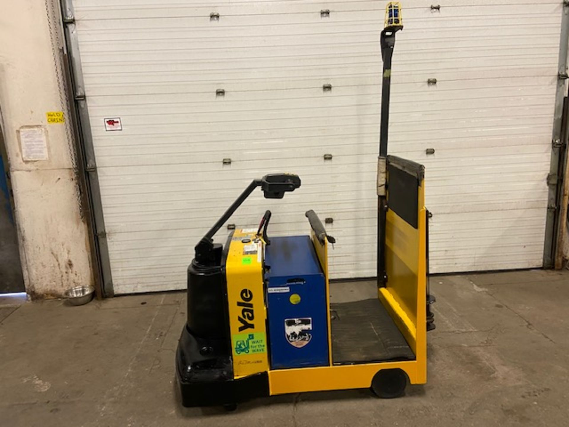 2011 Yale Ride On Tow Tractor - Tugger / Personal Carrier Electric 24V