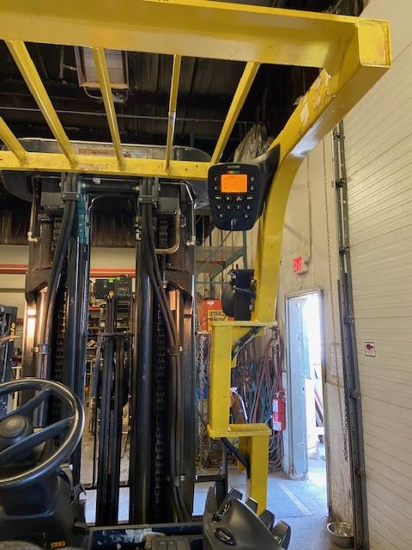 FREE CUSTOMS - 2013 Hyster 5000lbs Capacity Forklift Electric with 4-stage mast with sideshift and - Image 3 of 3
