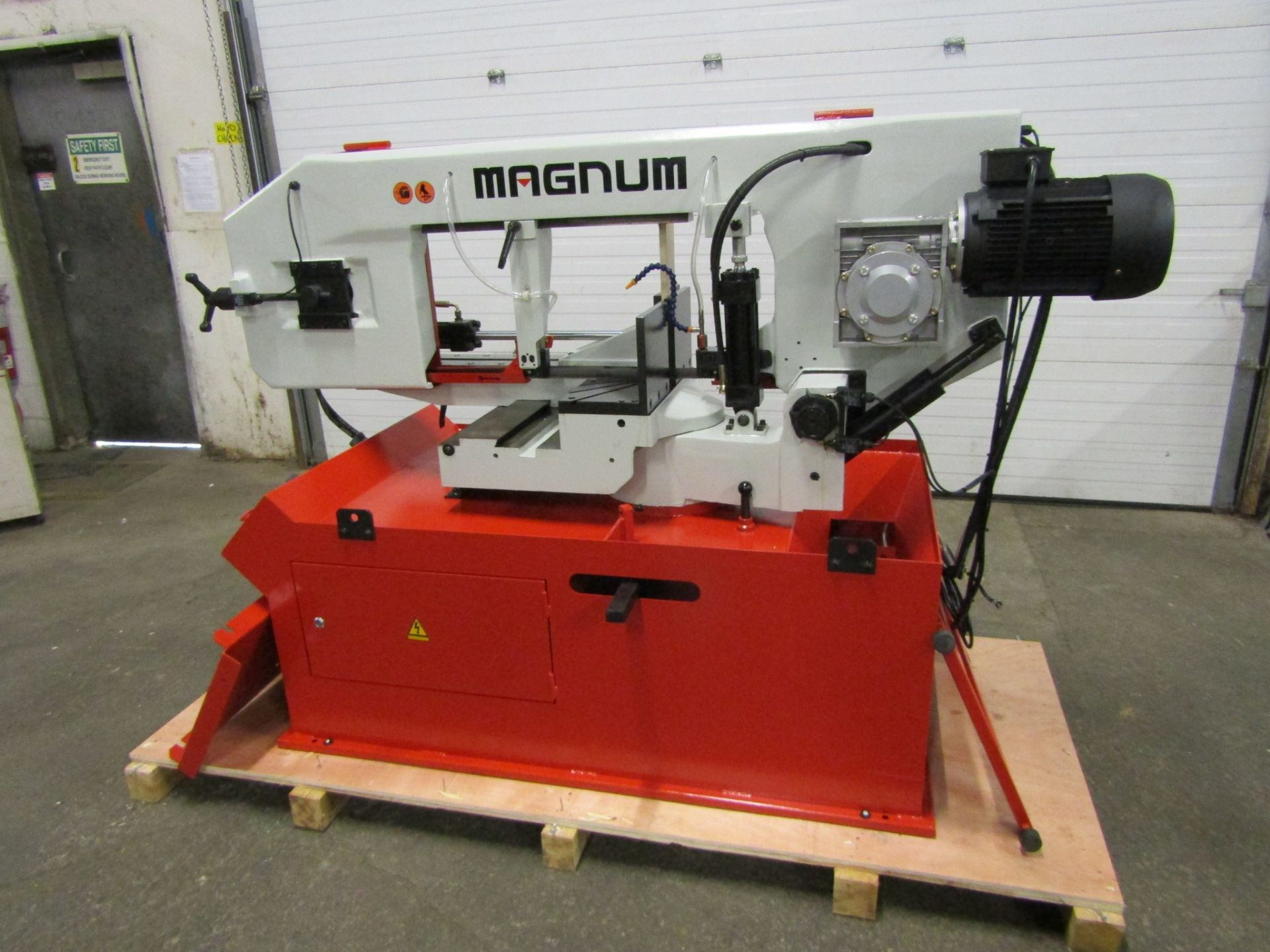 Magnum BSM-1813 Mitering Horizontal Band Saw - 18 X 13 inch CUTTING CAPACITY - CNC capability with