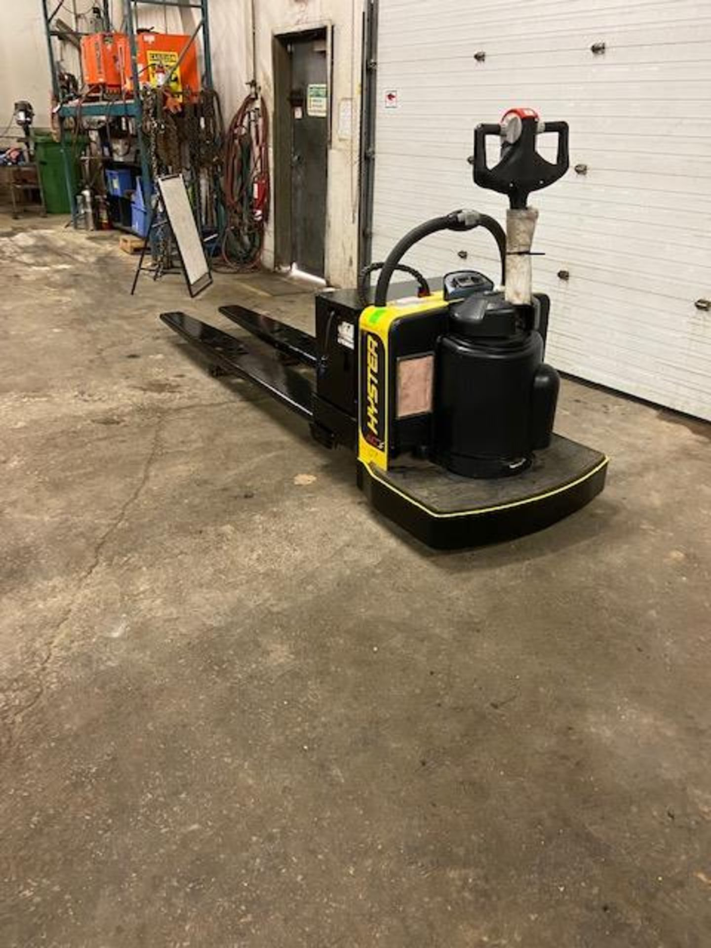 2019 Hyster Electric Ride on Powered Pallet Cart Lift 8000lbs capacity 8' Long with VERY LOW HOURS - Image 4 of 4