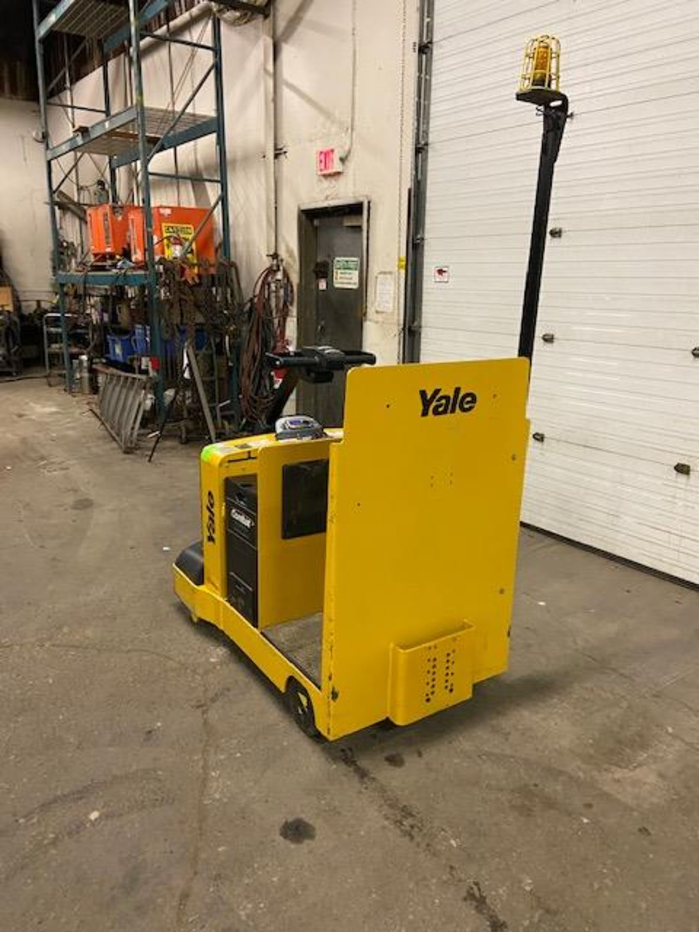 2016 Yale Ride On Tow Tractor - Tugger / Personal Carrier Electric 24V - Image 4 of 4