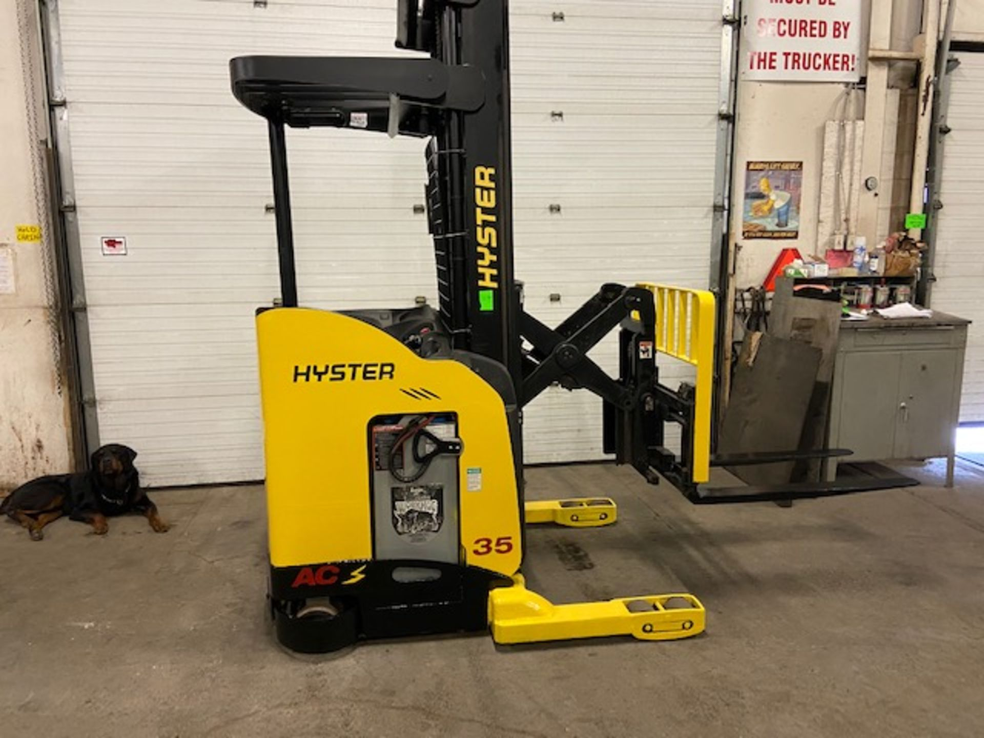FREE CUSTOMS - 2012 Hyster Reach Truck Pallet Lifter REACH TRUCK electric 3500lbs with sideshift 3-