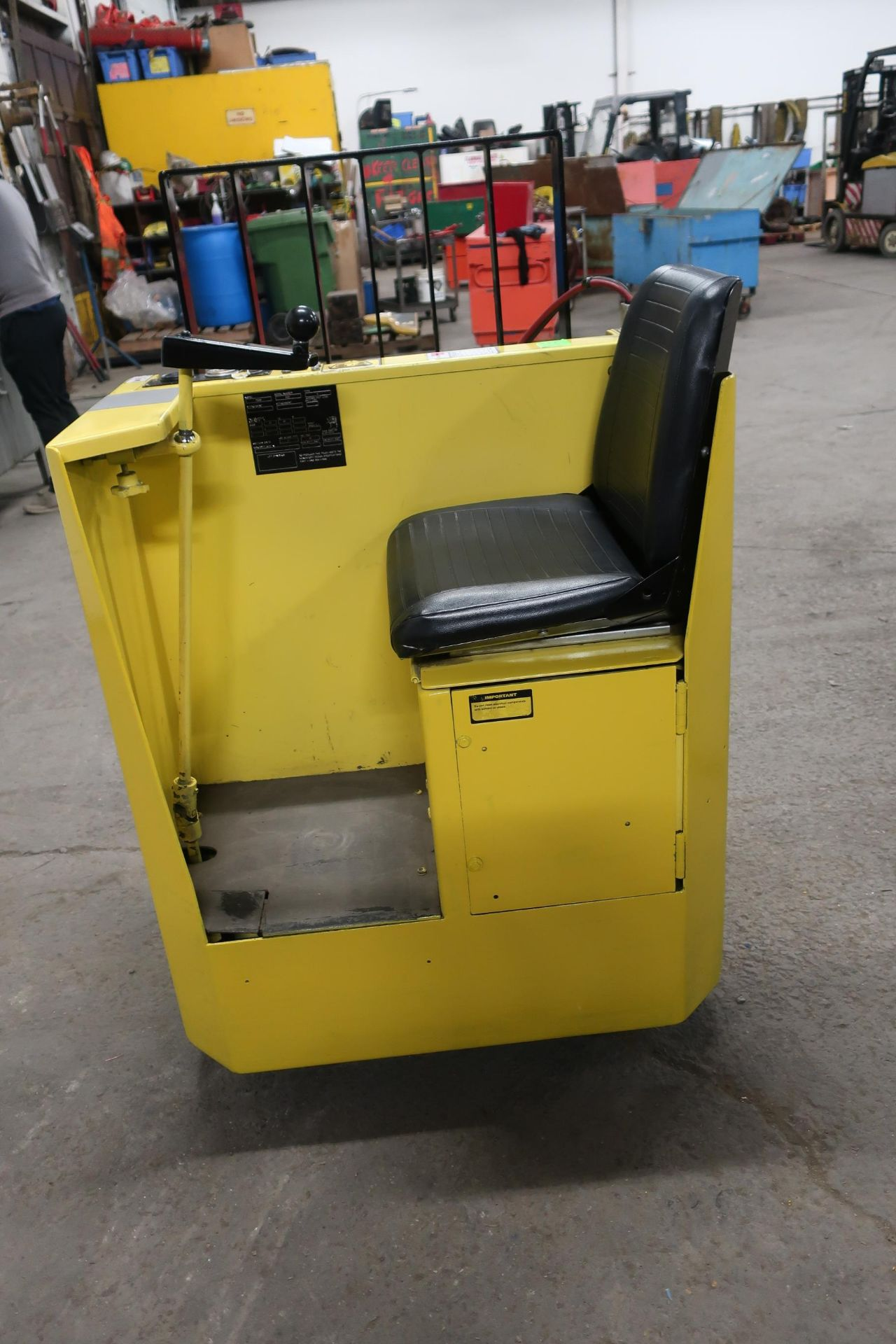 Dynamics Lift Sit down Electric Ride on Powered Pallet Cart Lift 6000lbs capacity safety into 2021 - Image 2 of 3