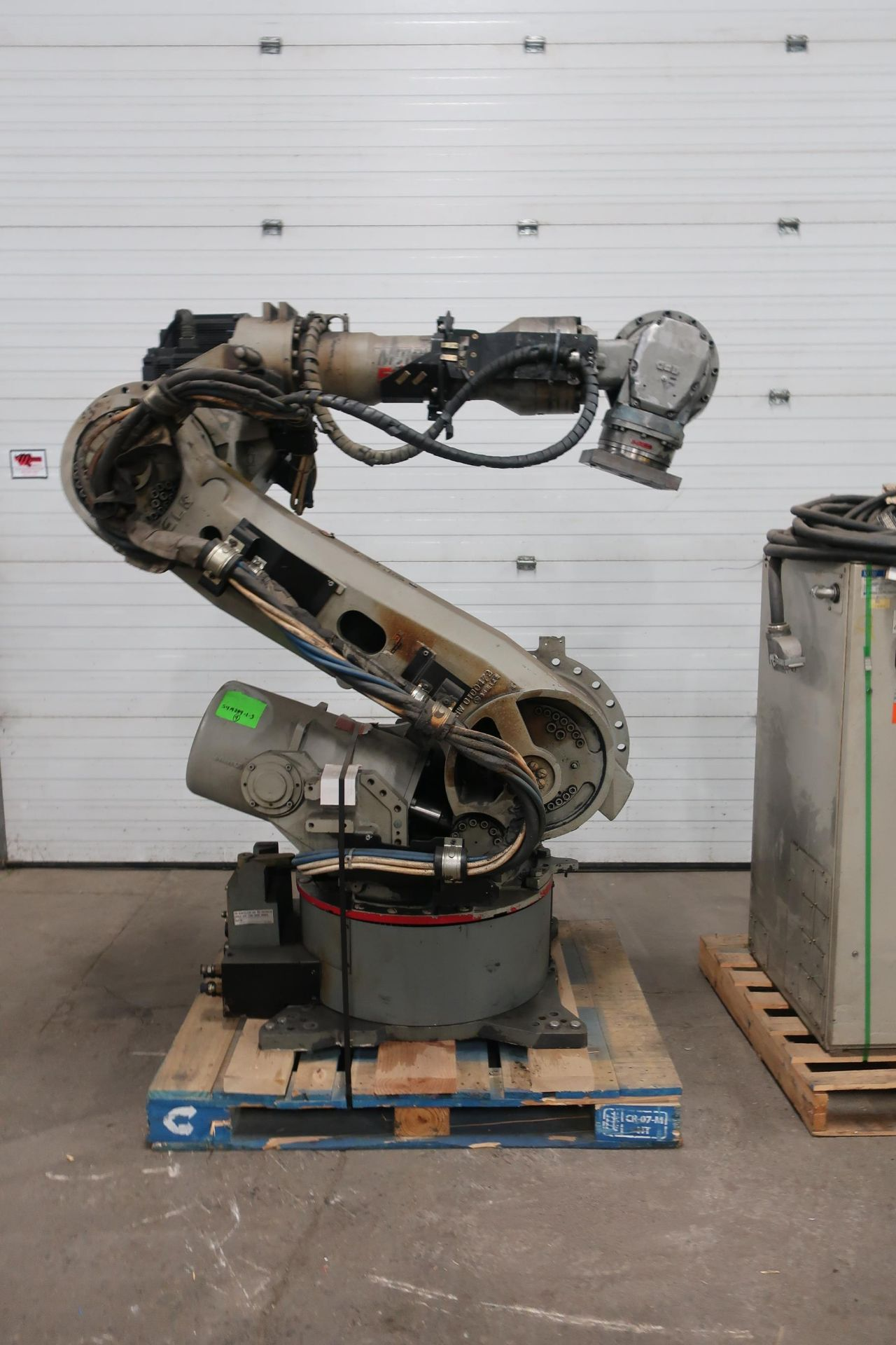 2008 Motoman ES200N Robot 200kg Capacity with Controller COMPLETE with Teach Pendant, Cables, LOW - Image 3 of 3