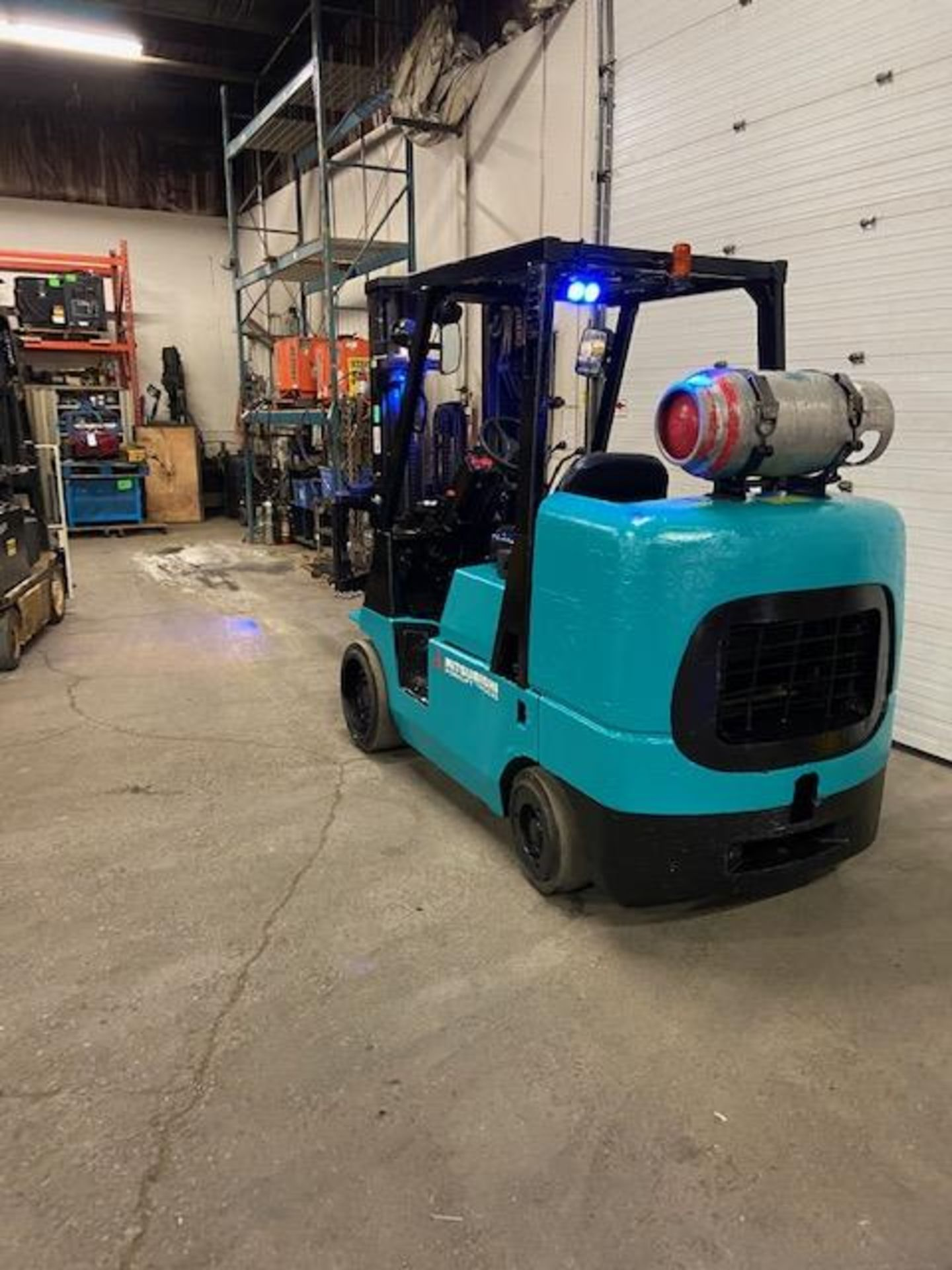 FREE CUSTOMS - Mitsubishi 10000lbs capacity LPG (propane) Forklift with 3-stage mast and sideshift - Image 3 of 3