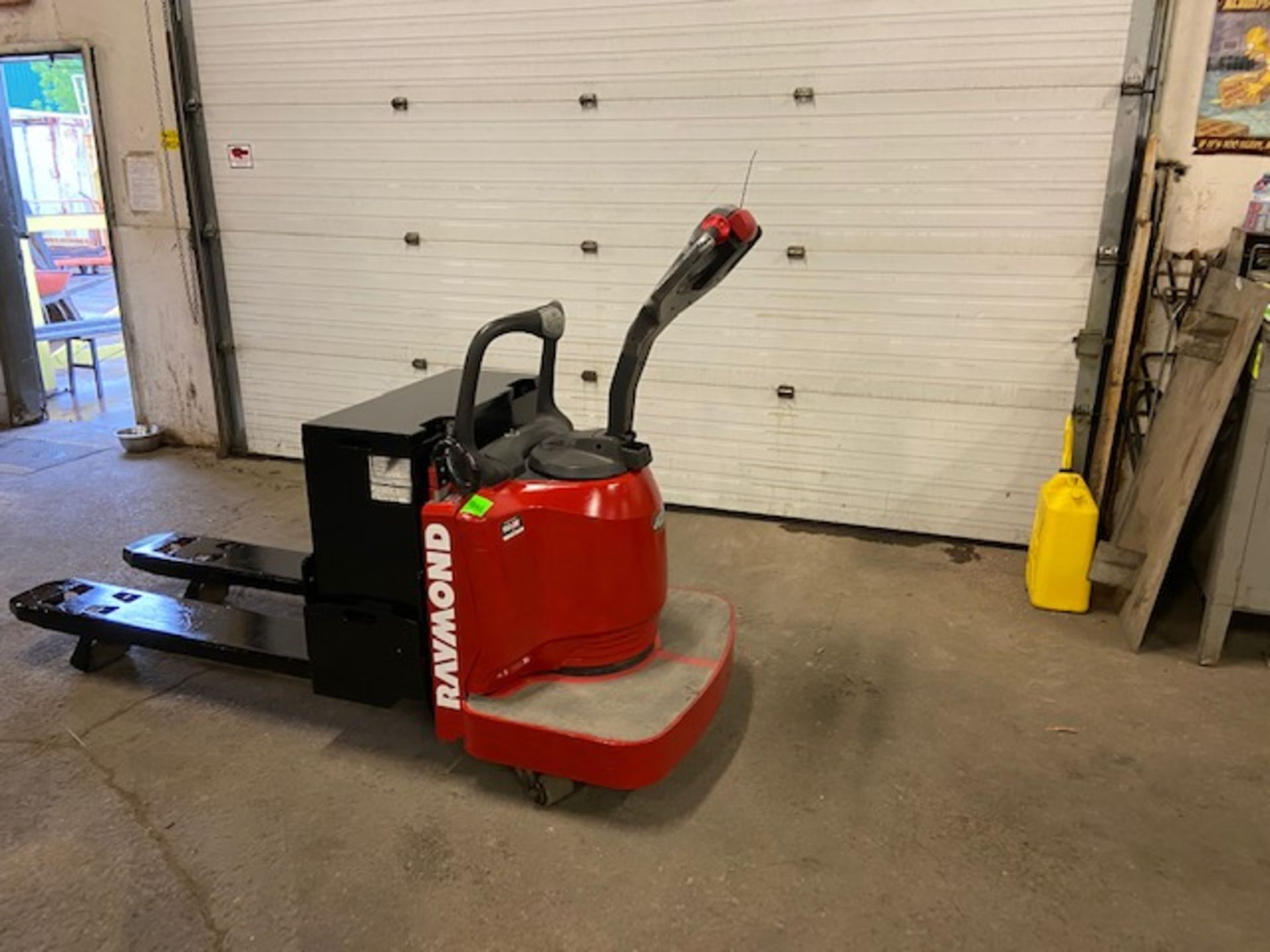 Raymond Electric Ride on Powered Pallet Cart Lift 6000lbs capacity 4' Long with LOW HOURS - Image 3 of 3