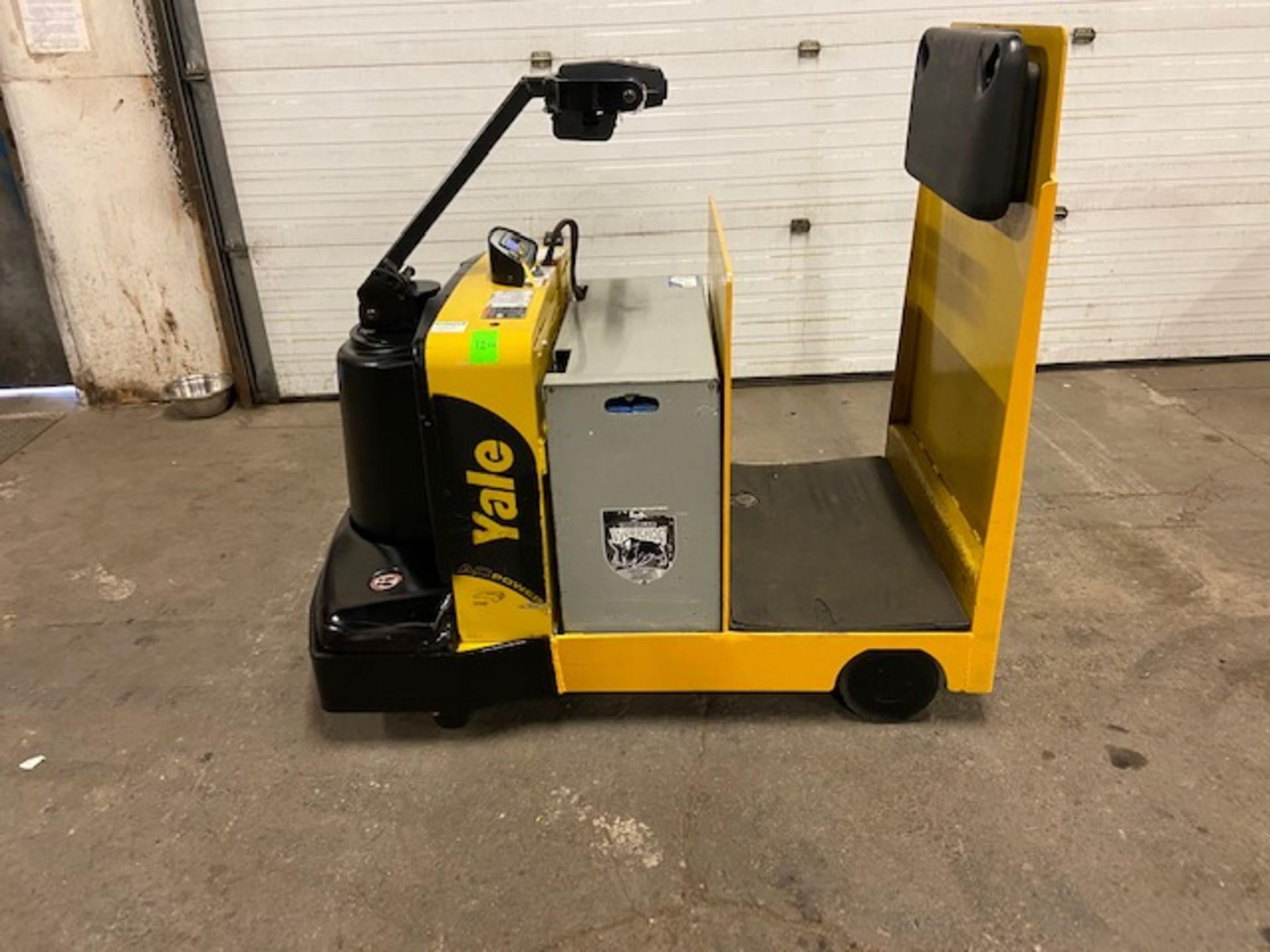 2014 Yale Ride On Tow Tractor - Tugger / Personal Carrier Electric 24V
