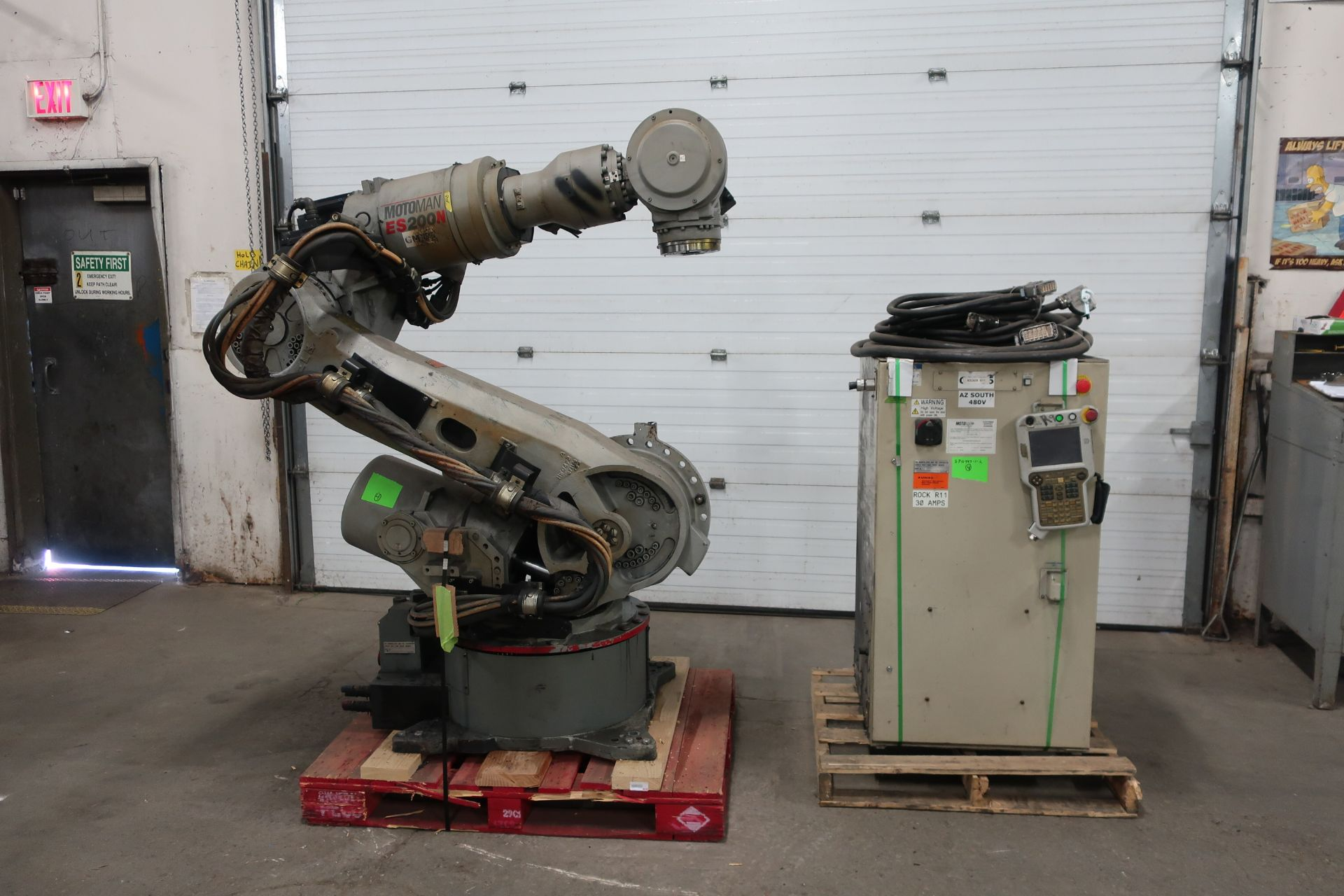 2008 Motoman ES200N Robot 200kg Capacity with Controller COMPLETE with Teach Pendant, Cables, LOW