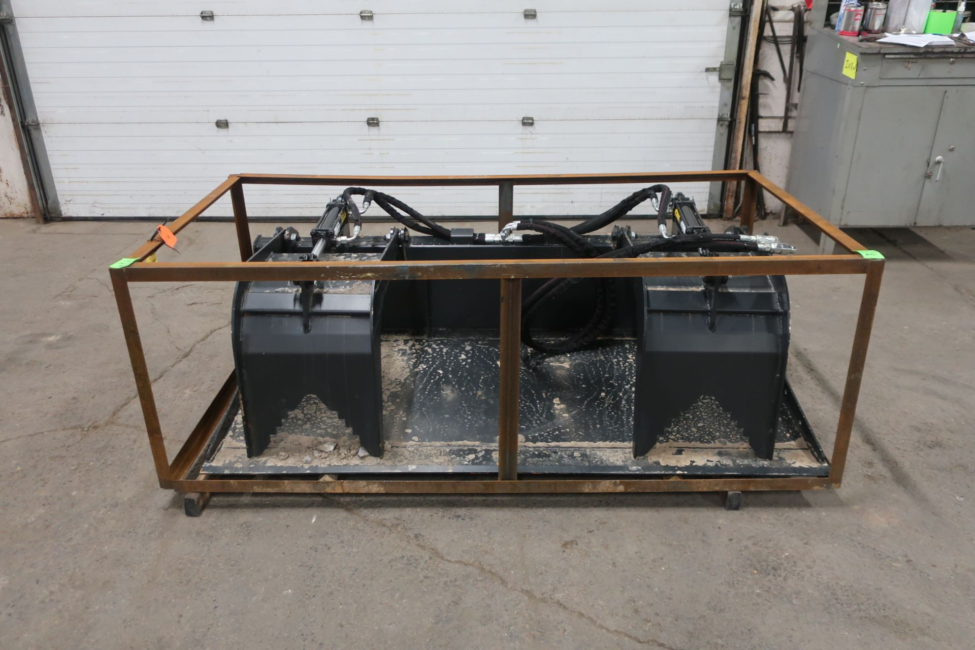 """NEW Wolverine Grapple Bucket 72"""" Width brand new grappling bucket attachment - Image 3 of 3"""