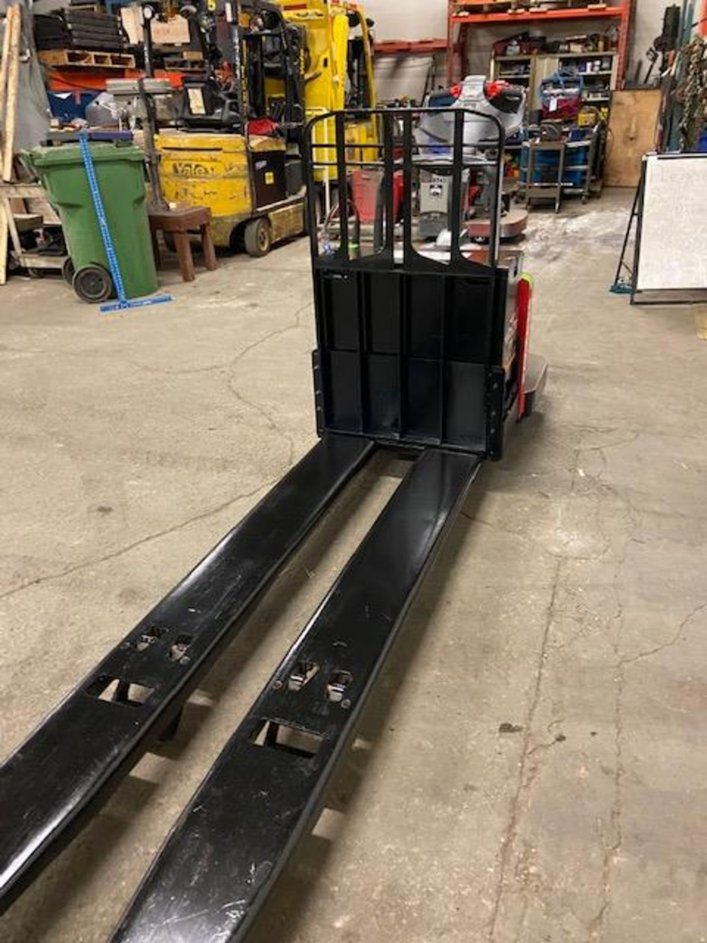 2012 Raymond Electric Ride on Powered Pallet Cart Lift 8000lbs capacity 8' Long LOW HOURS - Image 2 of 3