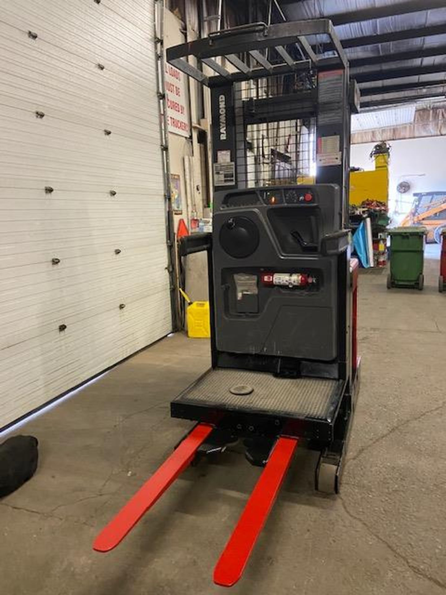 FREE CUSTOMS - 2008 Raymond Order Picker Electric Powered Pallet Cart Lifter with low hours